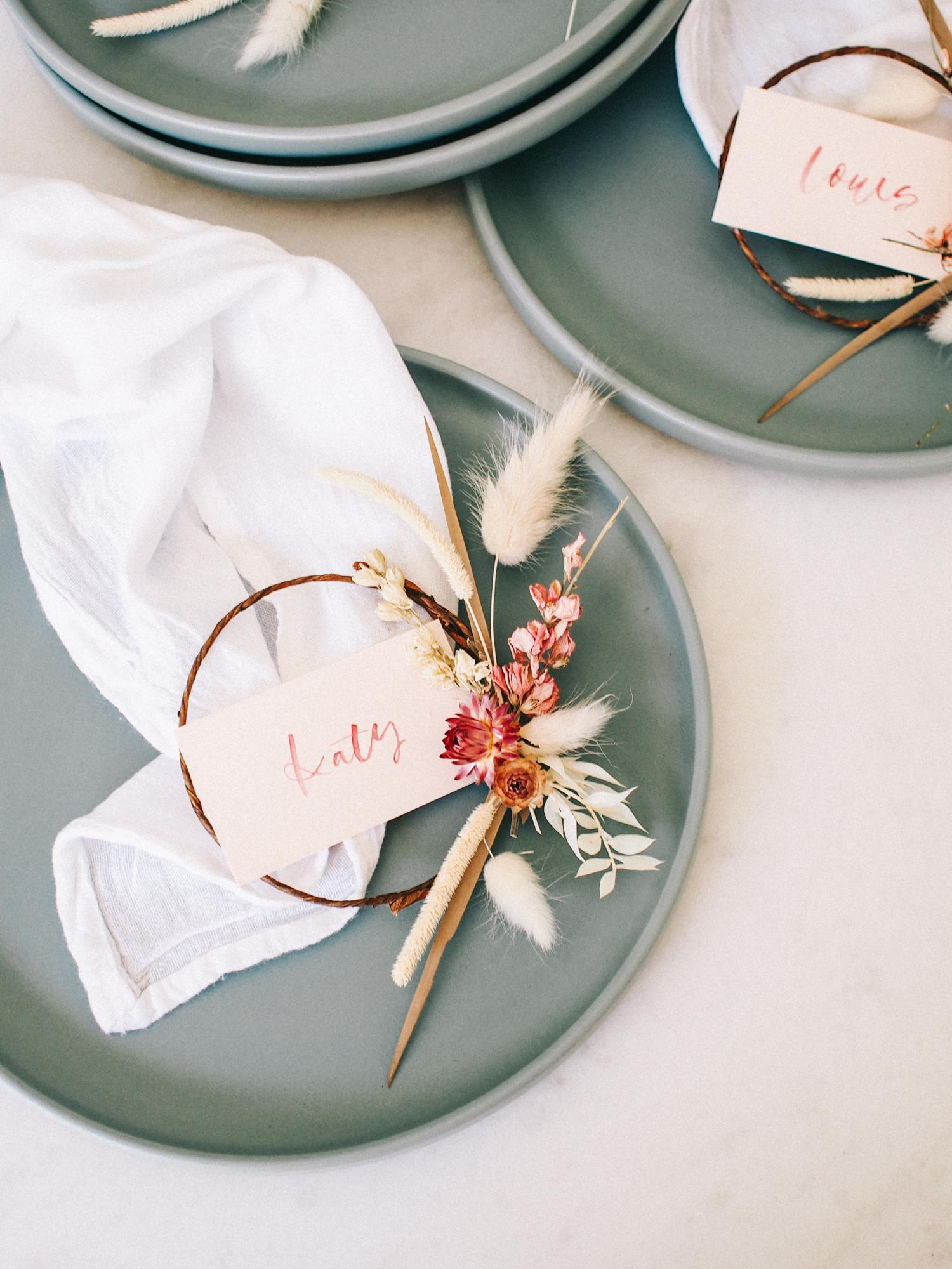 Make Easy Floral Wreath Place Cards | A Fabulous Fete
