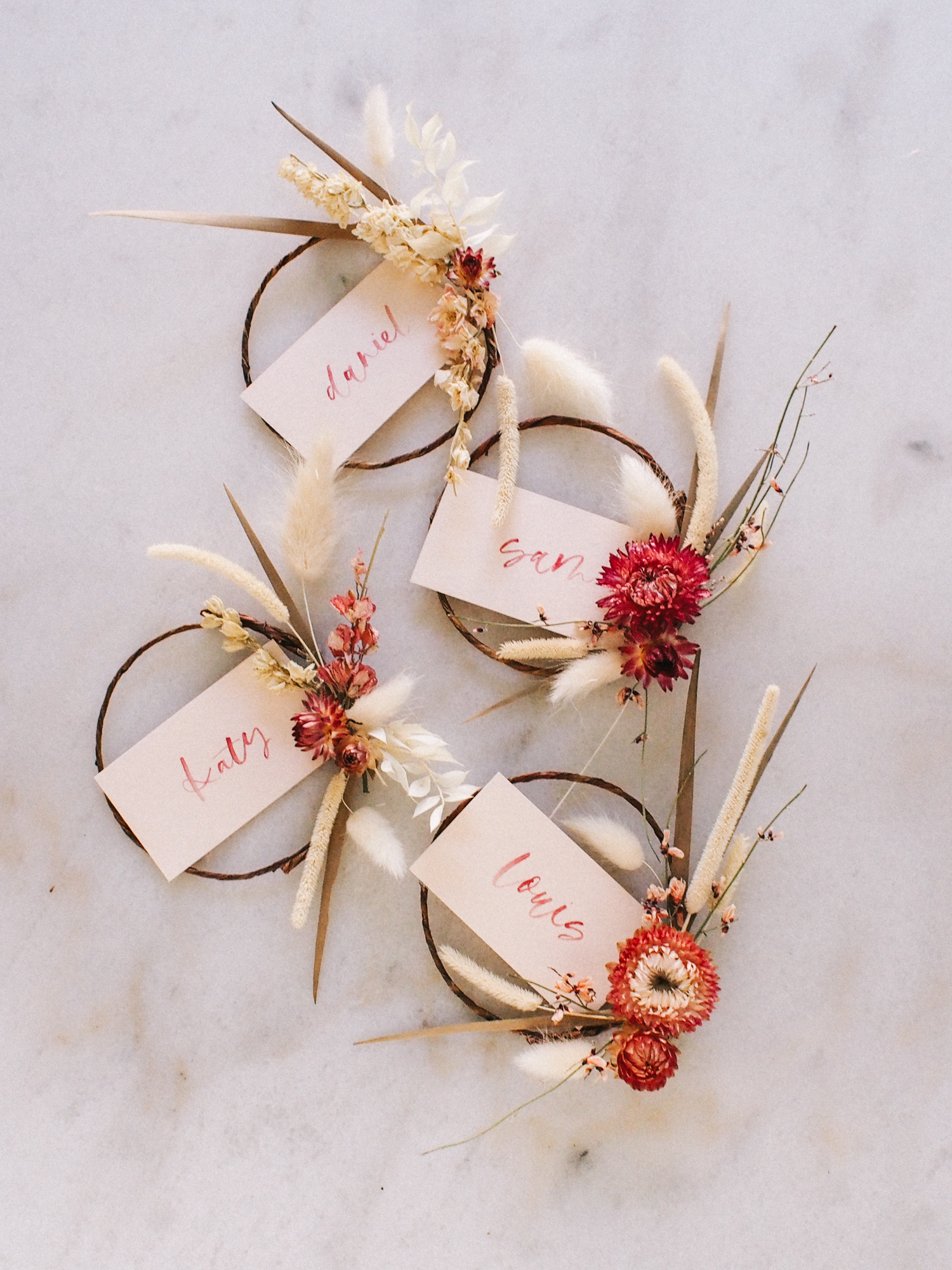 How to Make a Dried Floral Wreath  | A Fabulous Fete