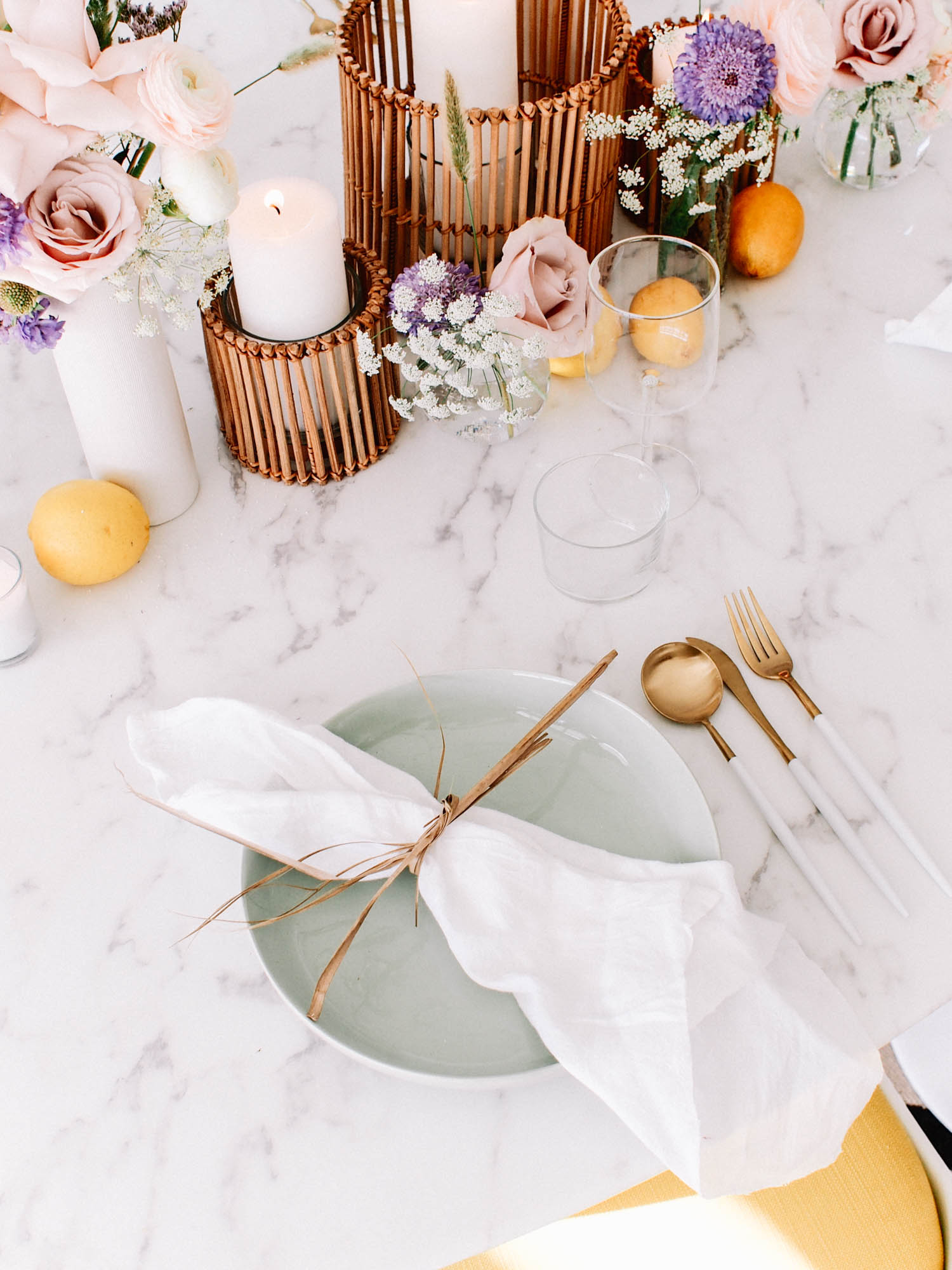 Perfect Summer Place Settings  // A Fabulous Fete