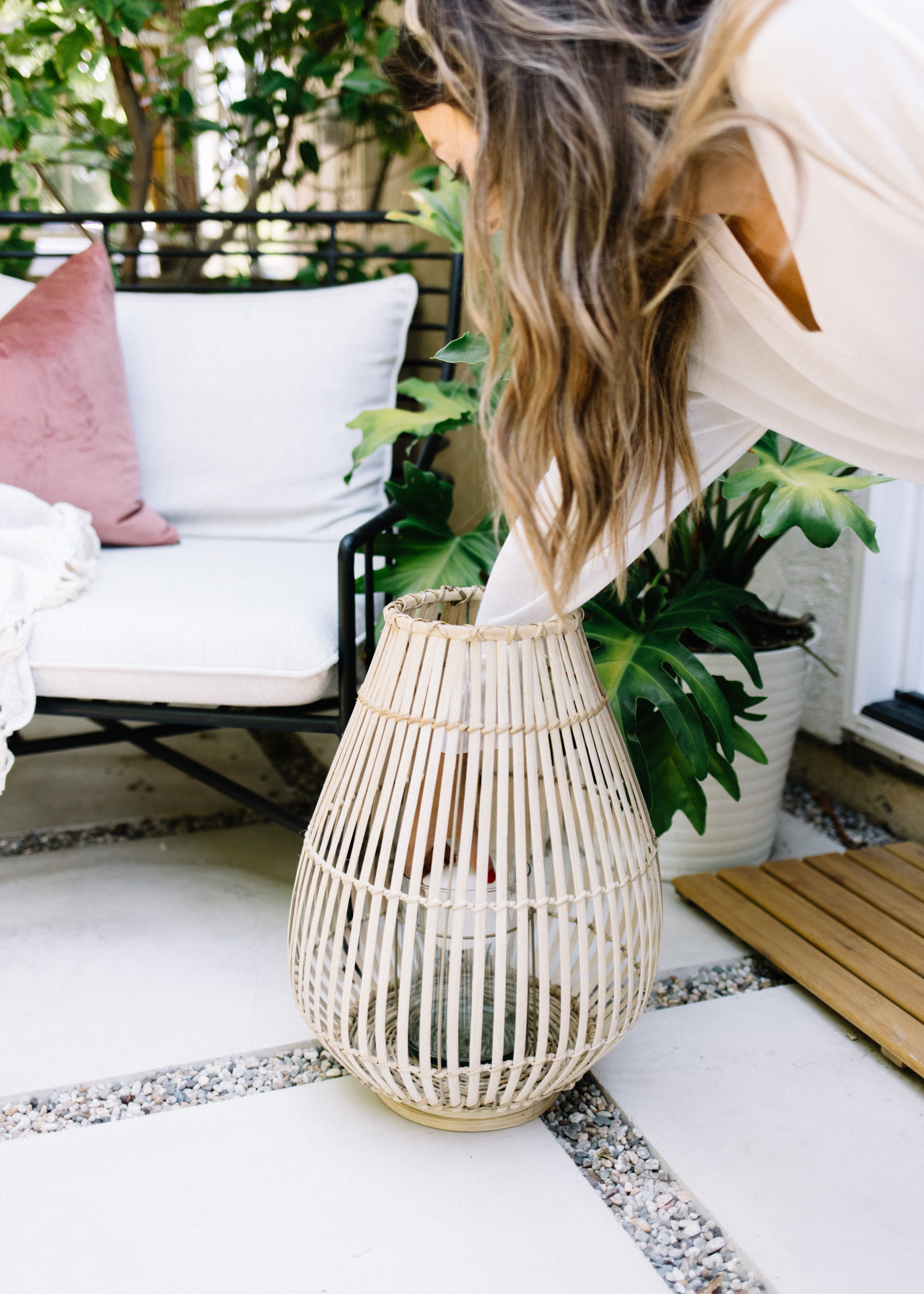 5 Accessories You Need To Update An Outdoor Space | A Fabulous Fete