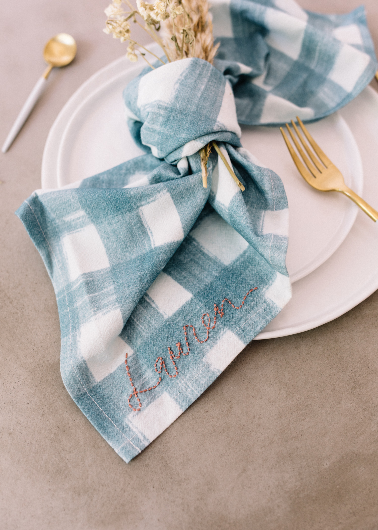Embroidered Napkins || DIY - A Fabulous Fete.jpg