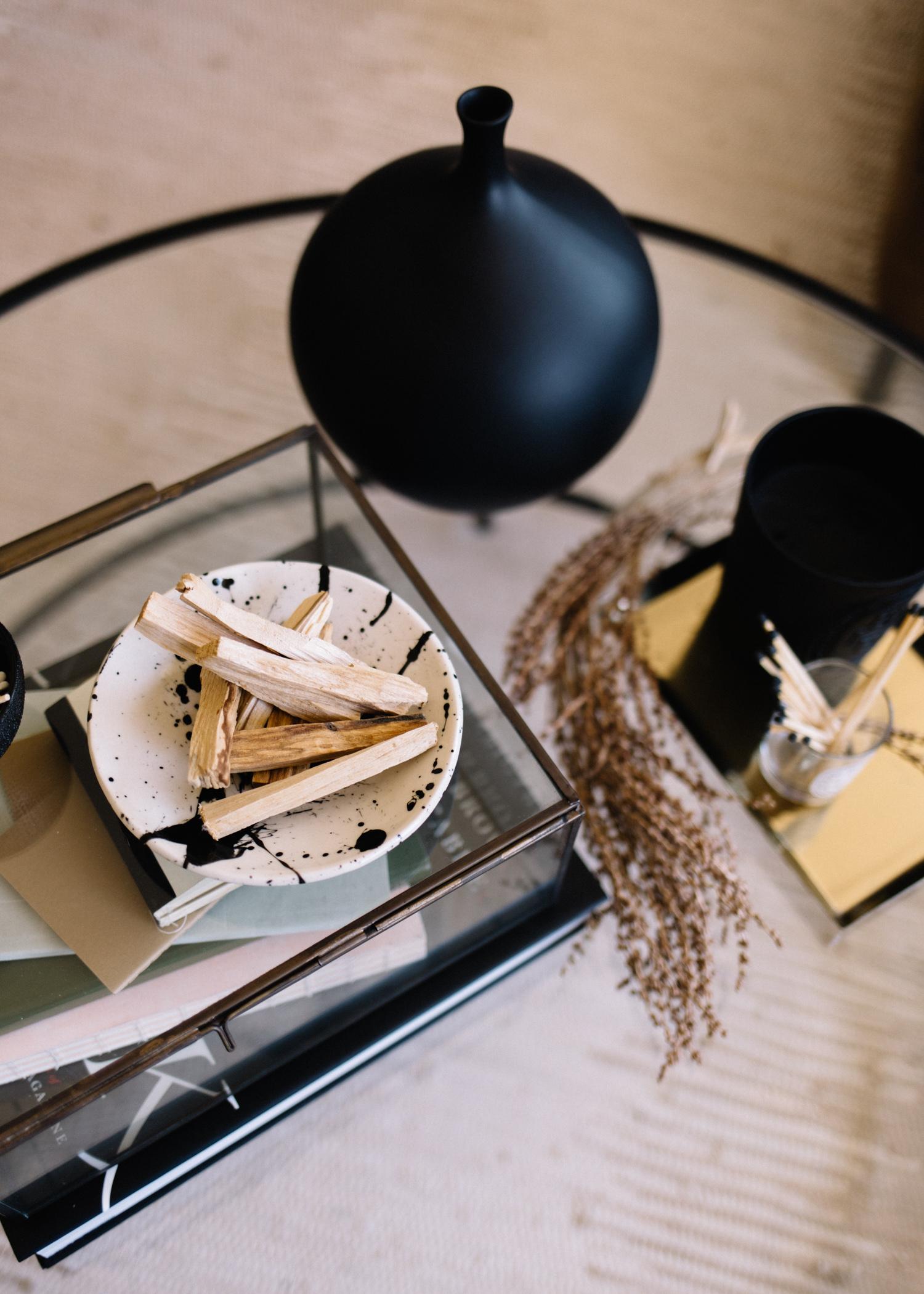 the modern minimalist coffee table -