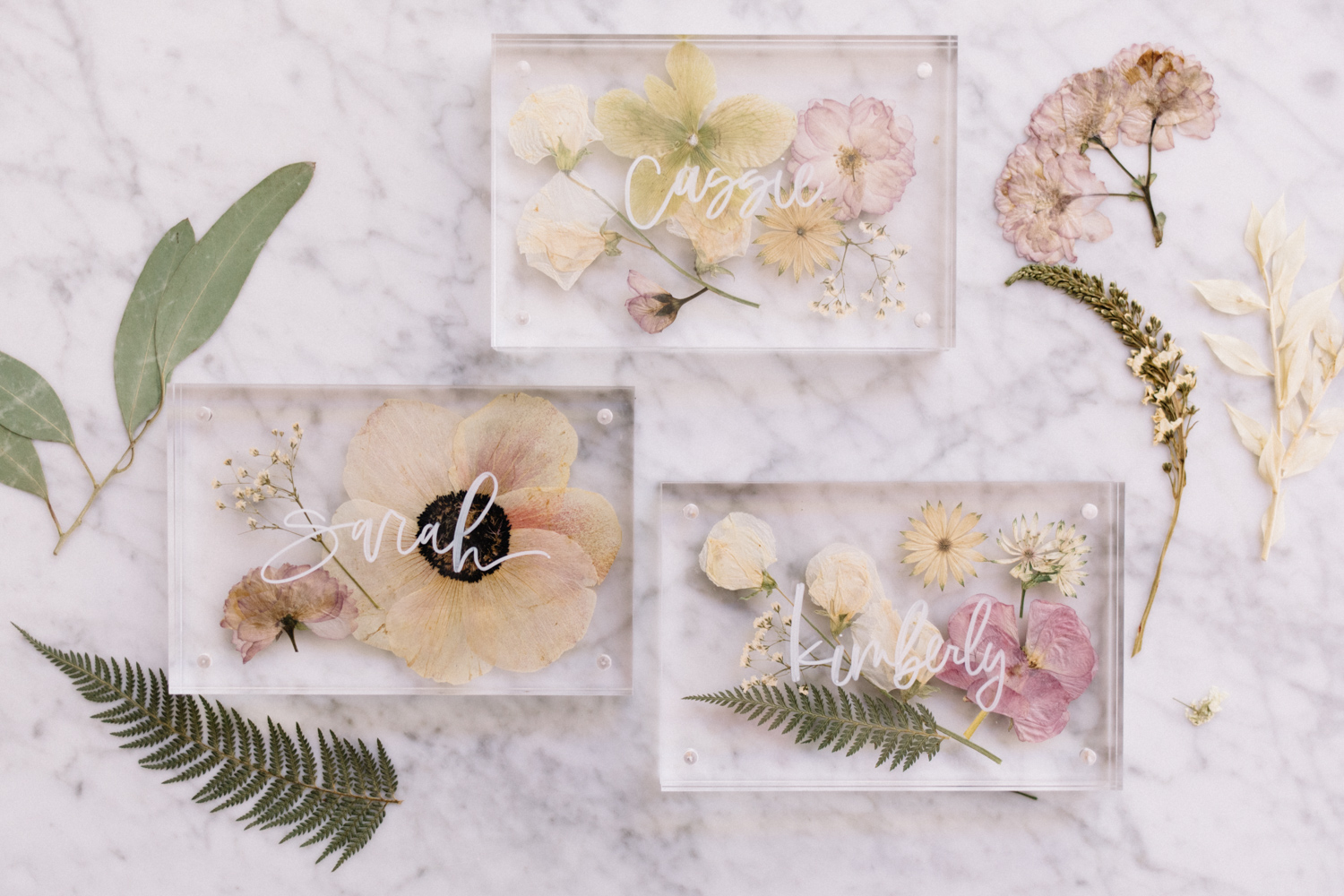 Pressed Flower and Acrylic Frame Place Card - A Fabulous Fete.