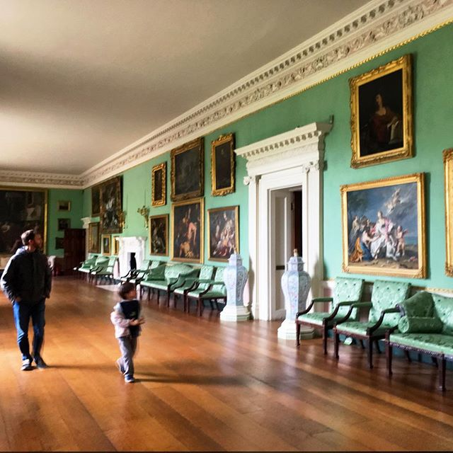 Spent the morning at Osterley Park and House. It is the closest National Trust property we could find to Heathrow Airport! They had this great kids activity that had the kids count as many flowers 🌺 as they could find in the house. Counter provided! Oliver found 59... there were thousands.