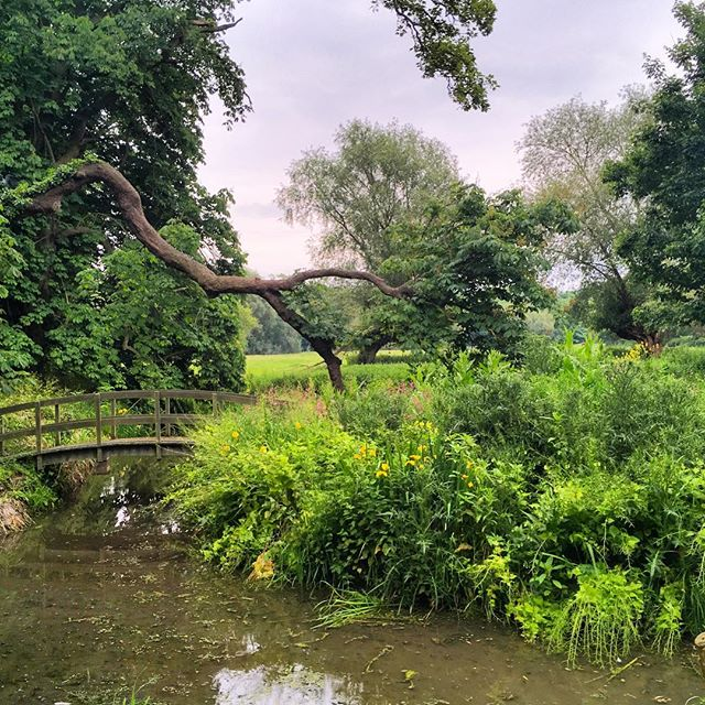 Public footpaths in England take you past charming sights. #publicfootpath #cambridgeshire