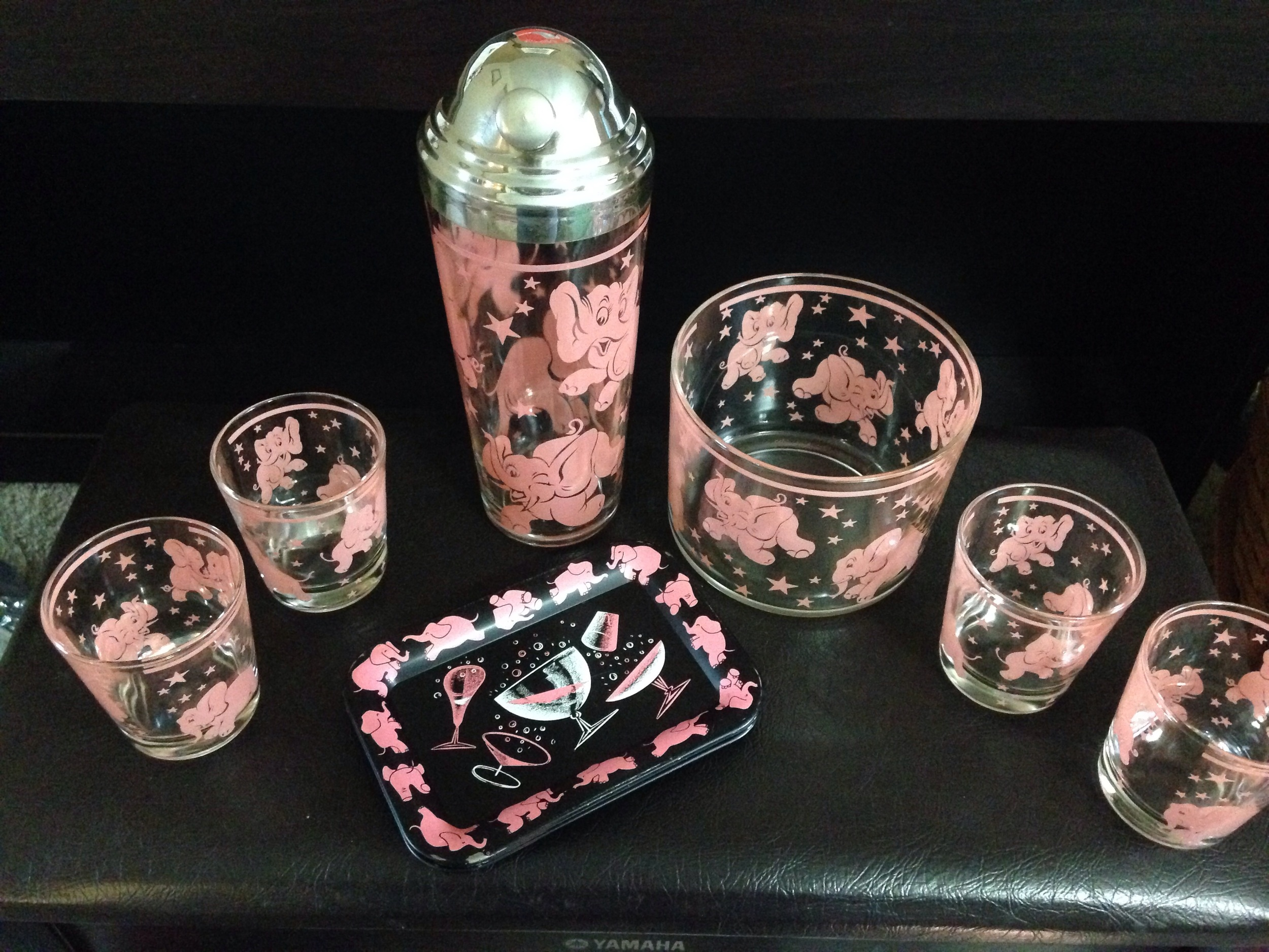 Hazel Atlas Dancing Pink Elephant bar set!  Gorgeous and in excellent condition!  Includes matching tip tray set.
