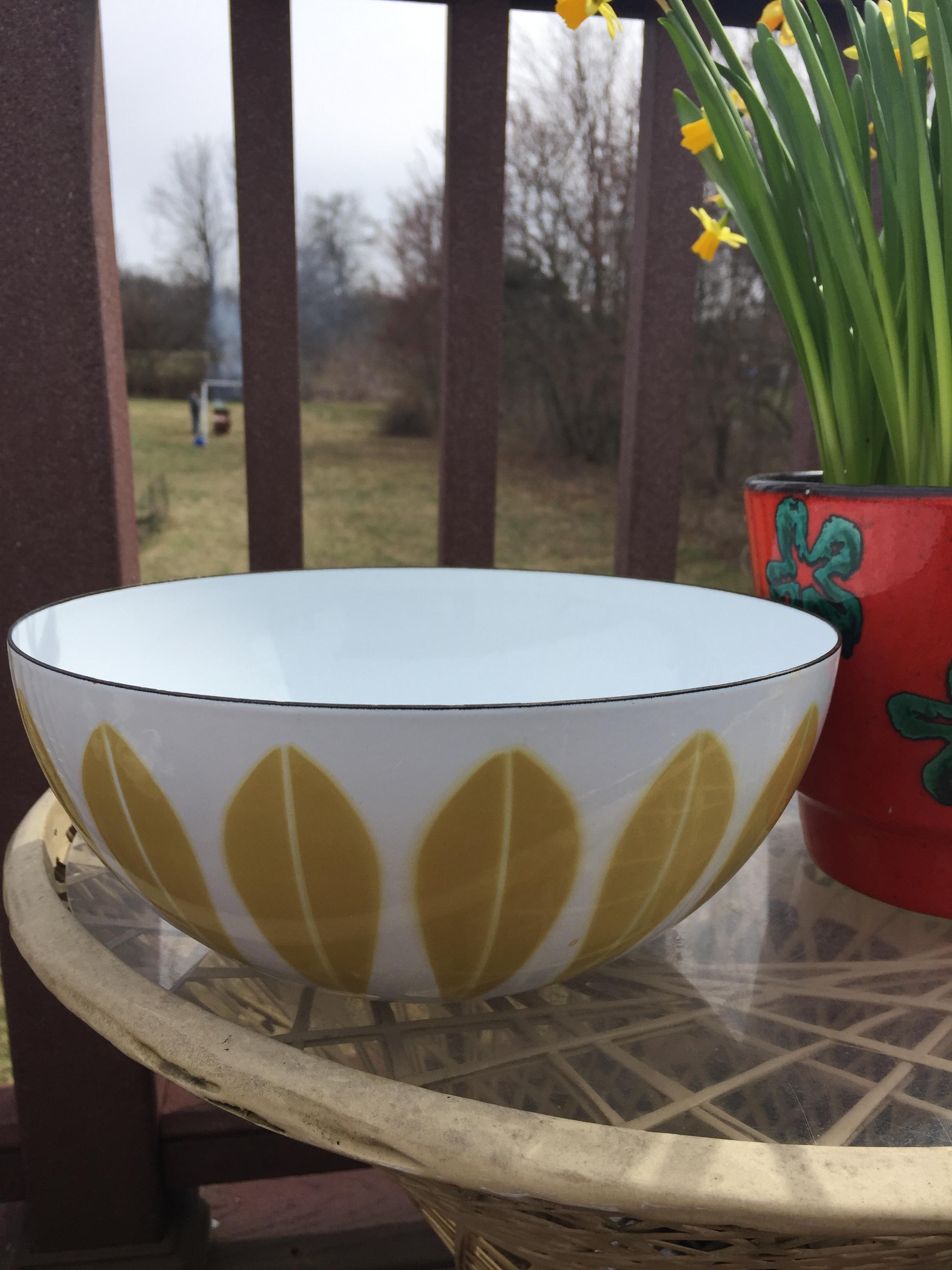 "Large 9-1/2"" dia Cathrineholm Lotus enamel bowl."
