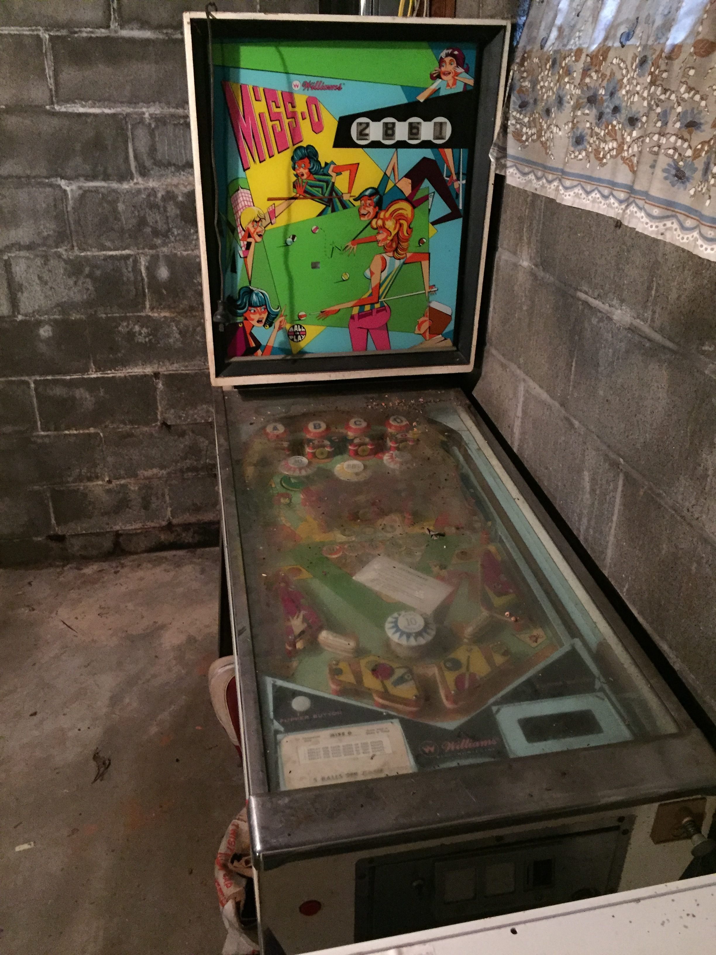 If anyone local is looking for a sweet pinball machine let me know! I will connect you.