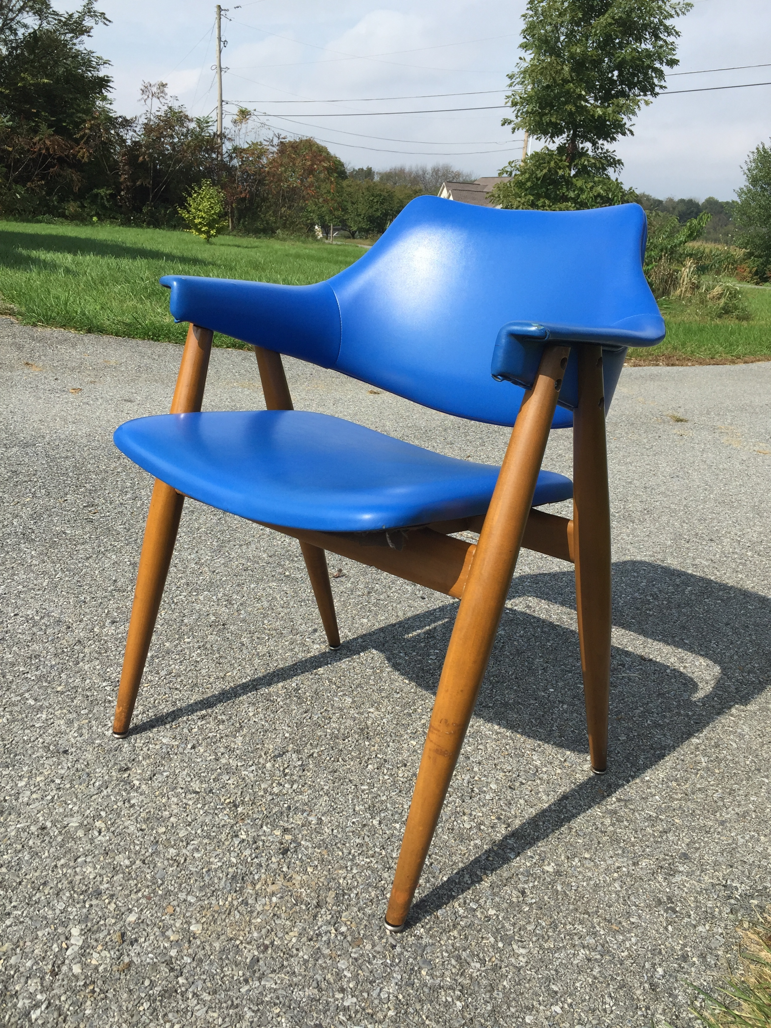 Amazing hard to find Thonet arm chair designed by Pierre Paulin in cobalt! It is not perfect but in usable condition. Retains inventory tag from York Graphics.