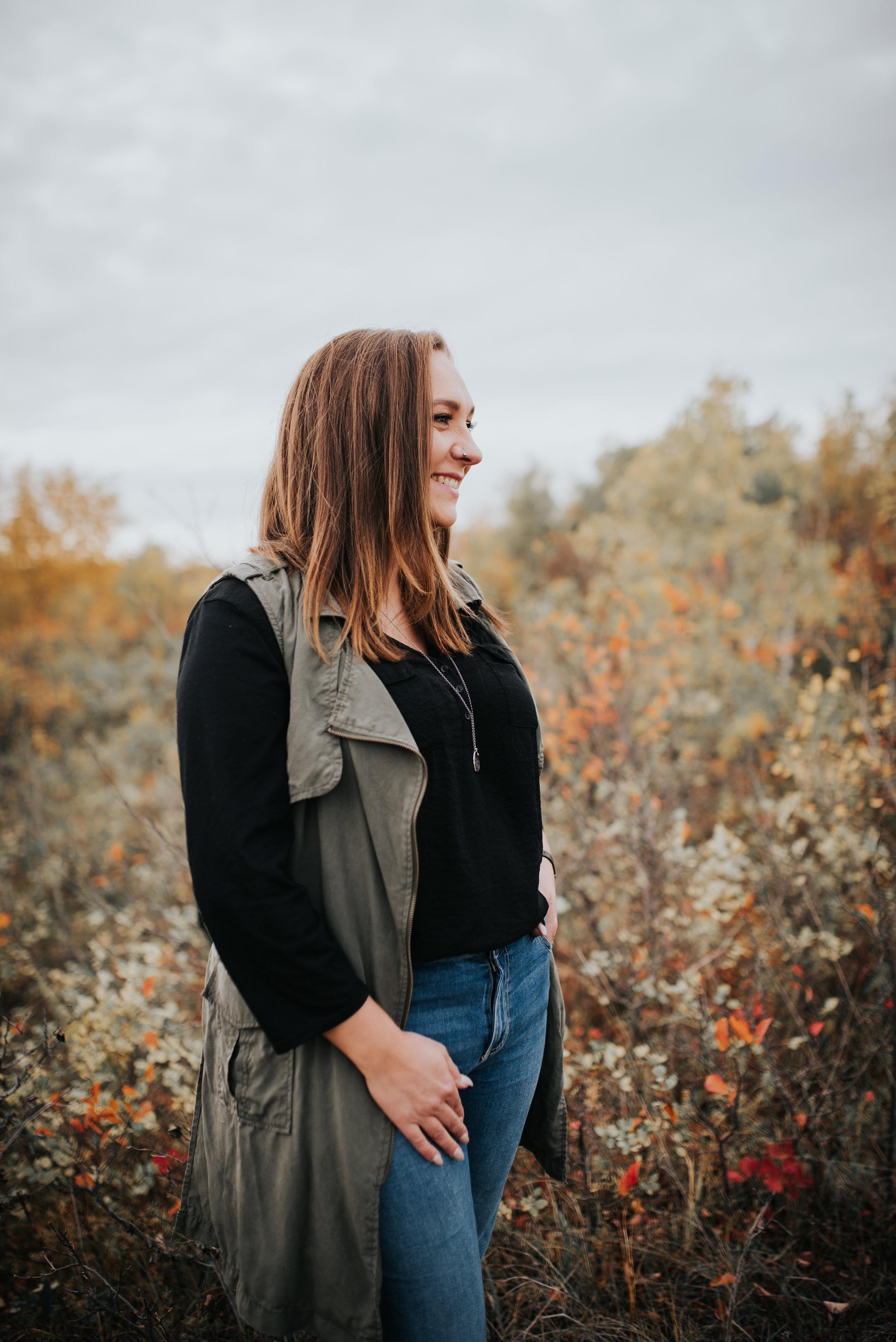 Alauna autumn backdrop