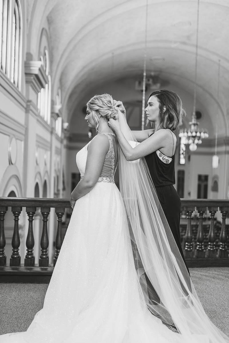 Sioux-falls-wedding-photography-Tayla-Will-39.jpg