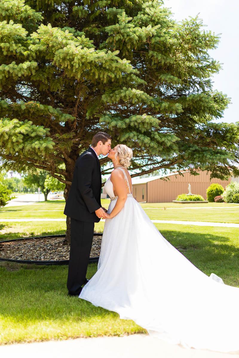 Sioux-falls-wedding-photography-Tayla-Will-70.jpg