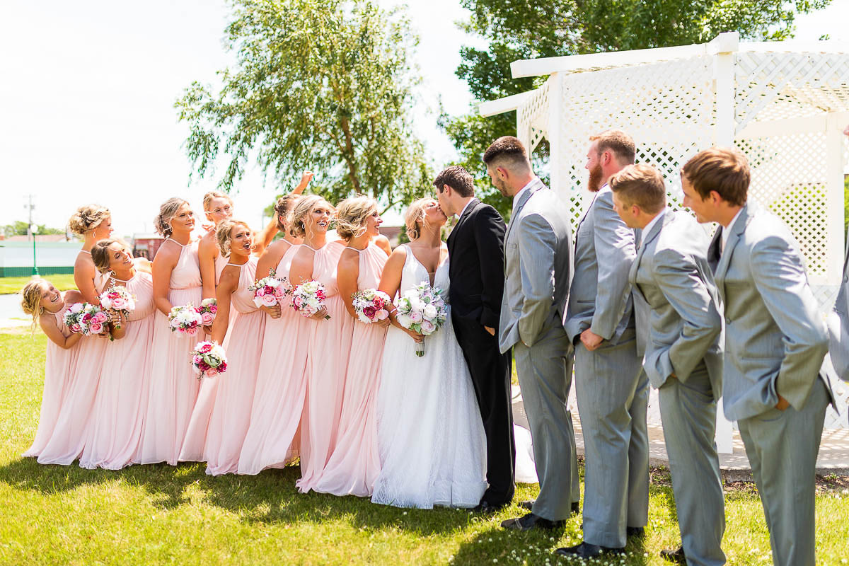 Sioux-falls-wedding-photography-Tayla-Will-81.jpg