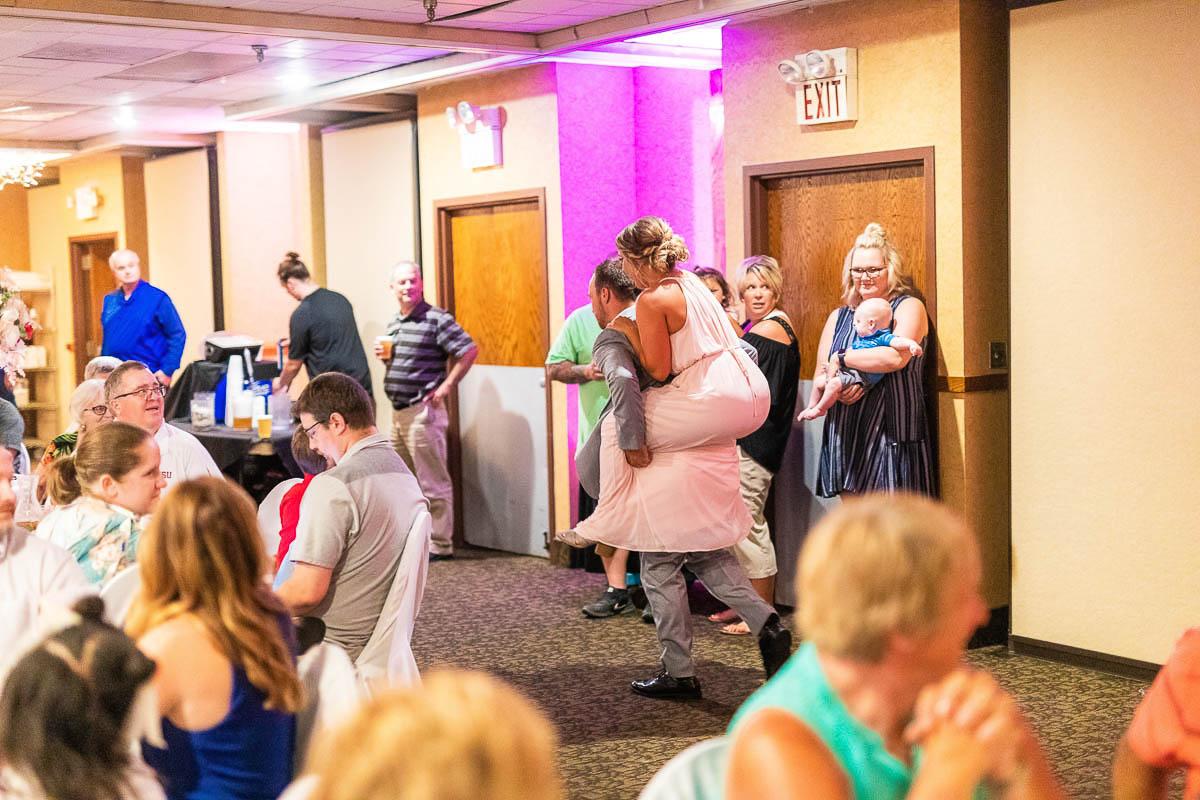 Sioux-falls-wedding-photography-Tayla-Will-183.jpg