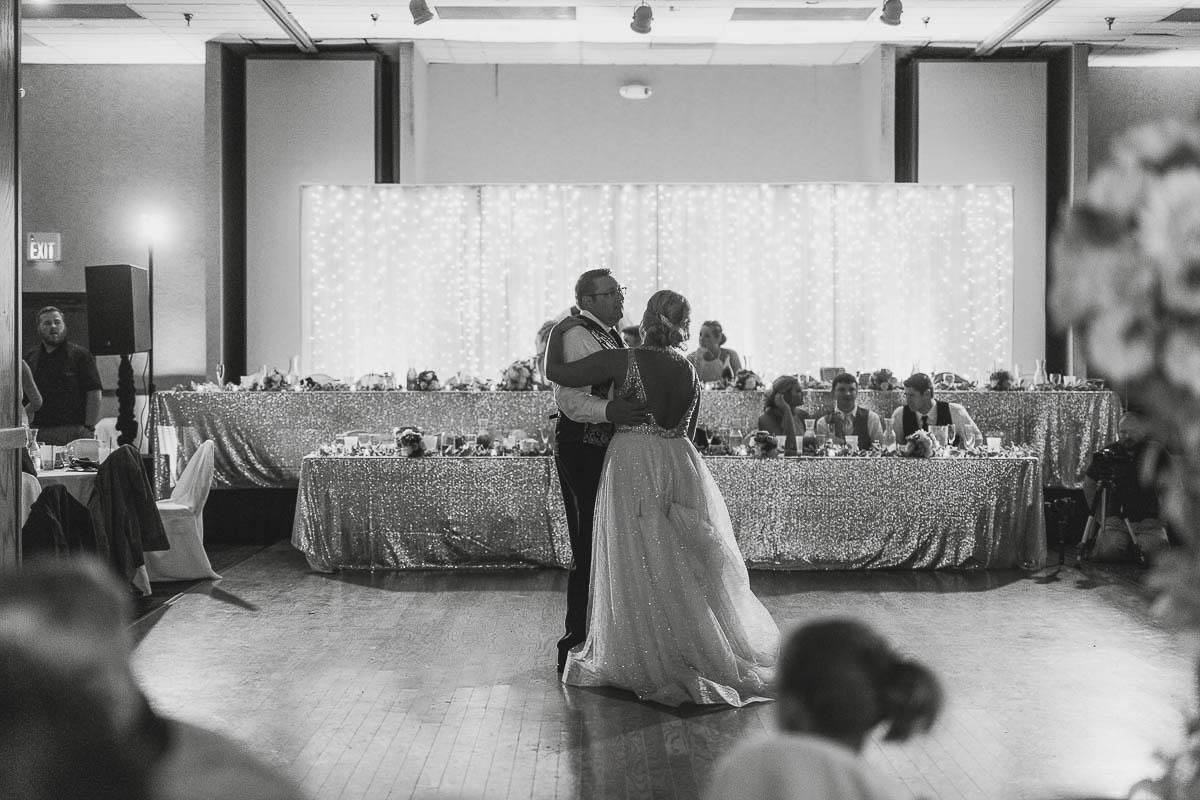 Sioux-falls-wedding-photography-Tayla-Will-210.jpg