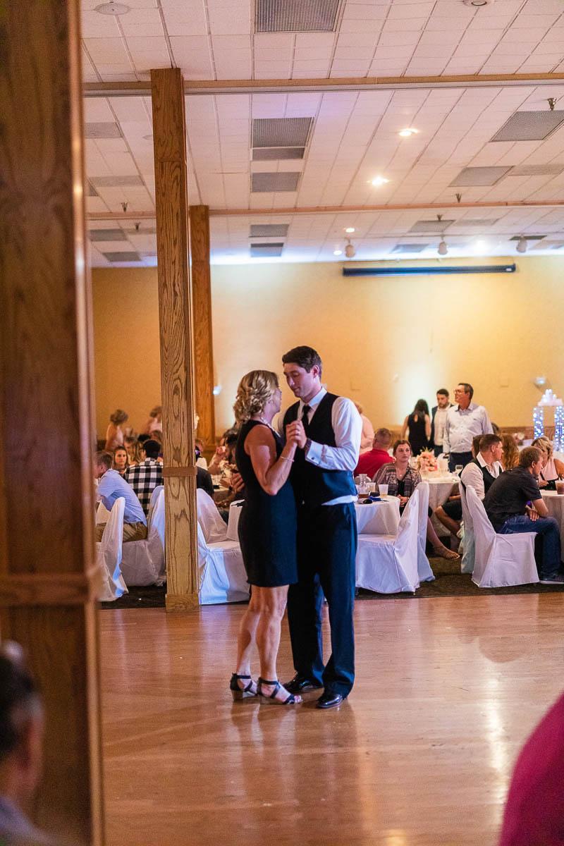 Sioux-falls-wedding-photography-Tayla-Will-213.jpg