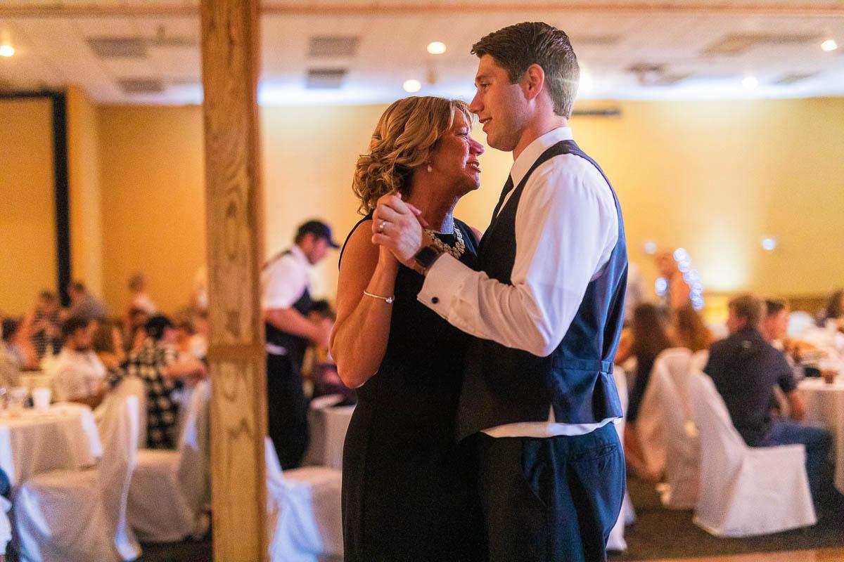 Sioux-falls-wedding-photography-Tayla-Will-214.jpg