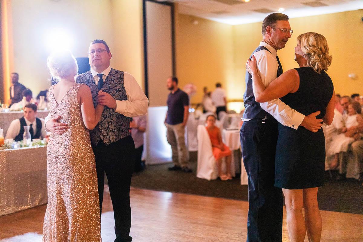 Sioux-falls-wedding-photography-Tayla-Will-215.jpg