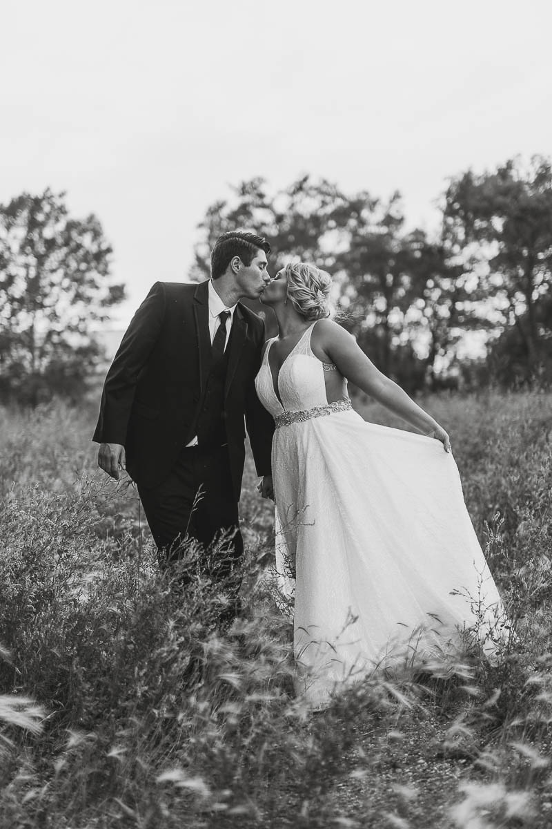 Sioux-falls-wedding-photography-Tayla-Will-239.jpg