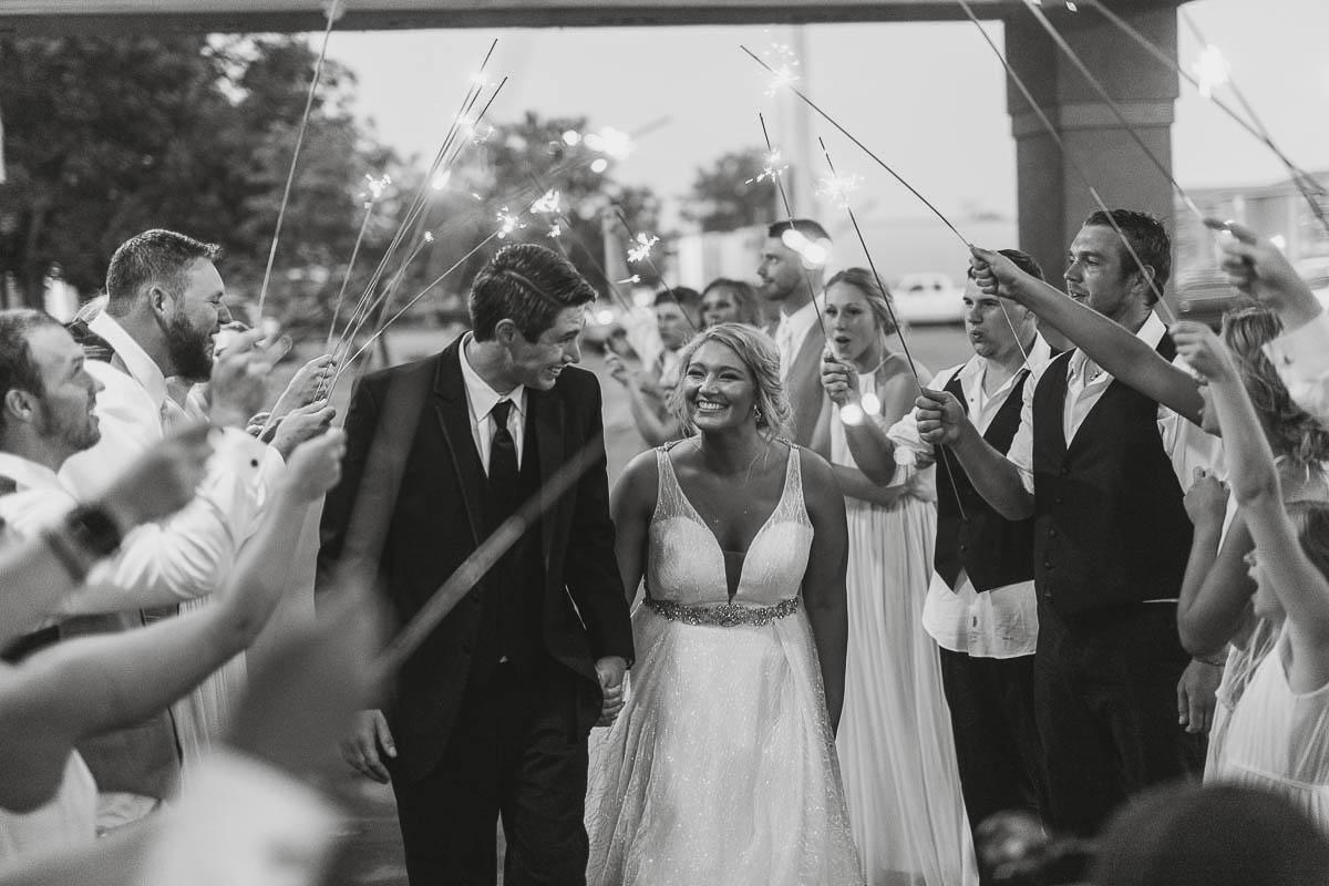 Sioux-falls-wedding-photography-Tayla-Will-247.jpg