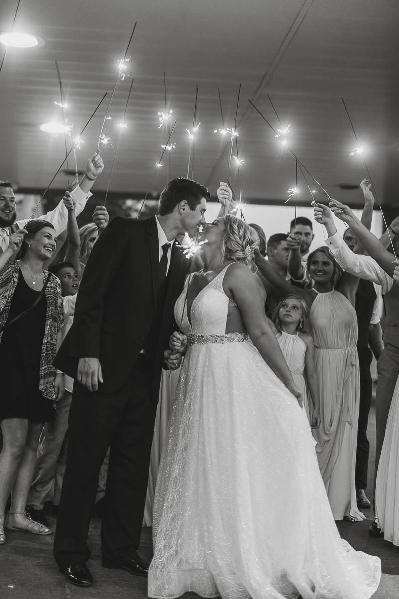 Sioux-falls-wedding-photography-Tayla-Will-250.jpg