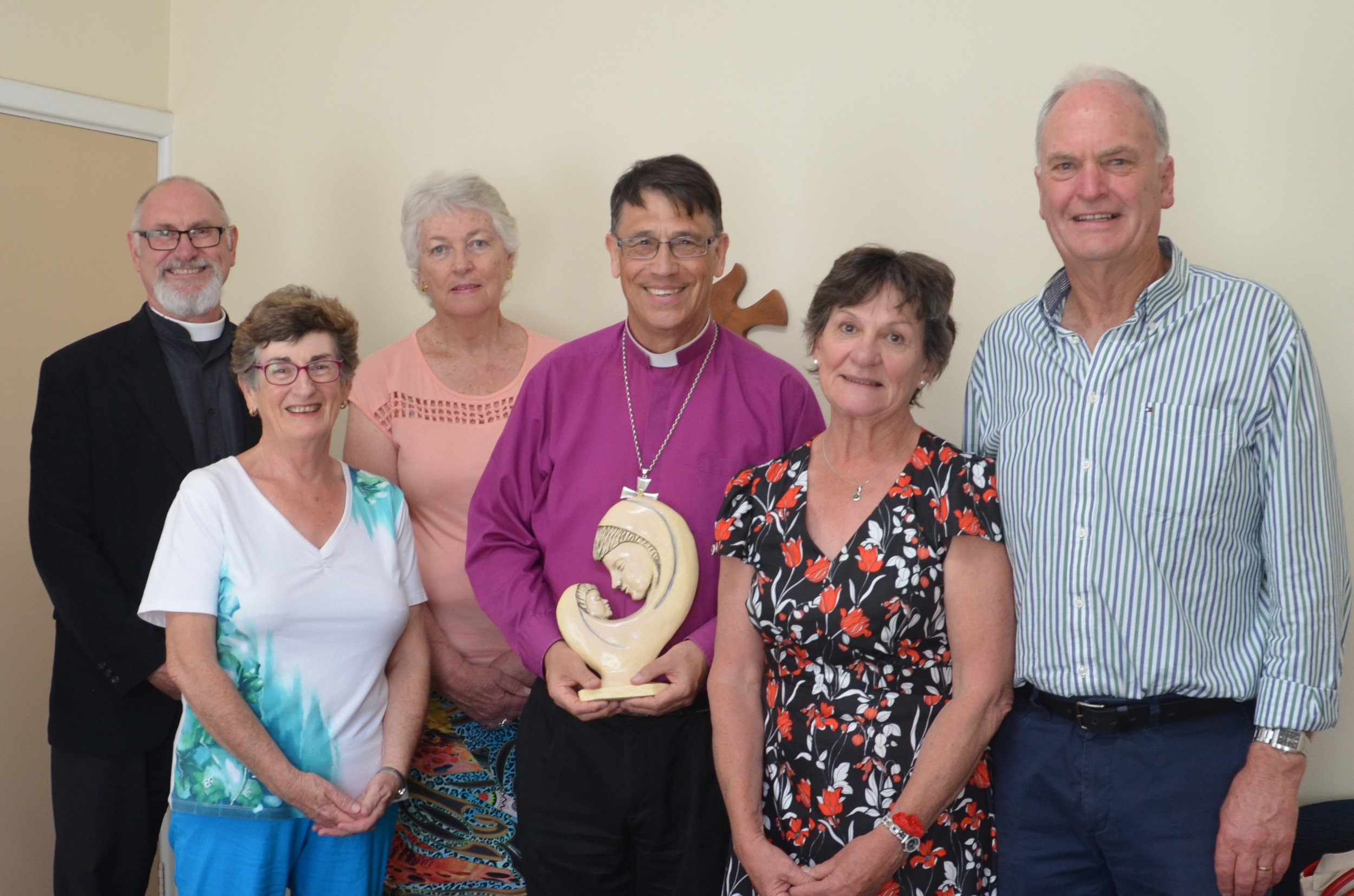 Presentation of Farewell gift to Bishop Allan from the Parishioners of St Mary's Church Busselton 091117.JPG