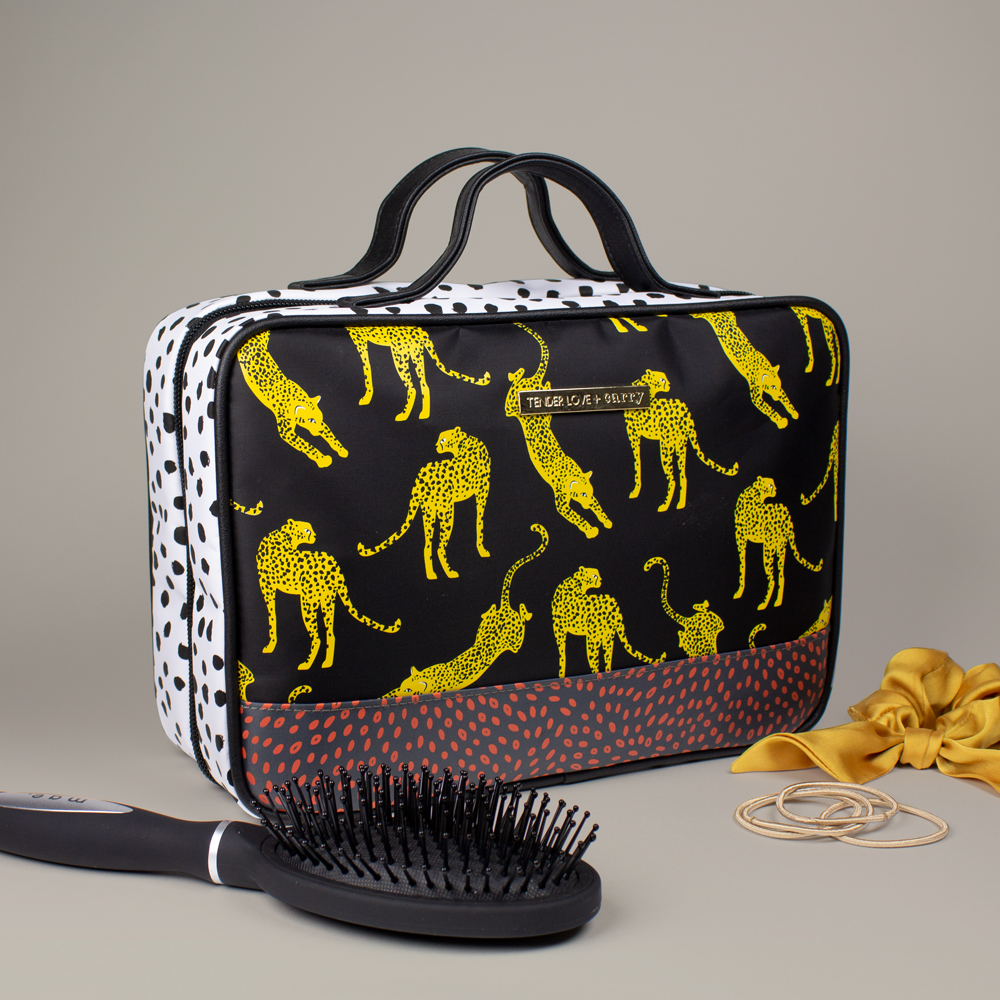 Wild Cat Hanging Washbag - T-160WIL