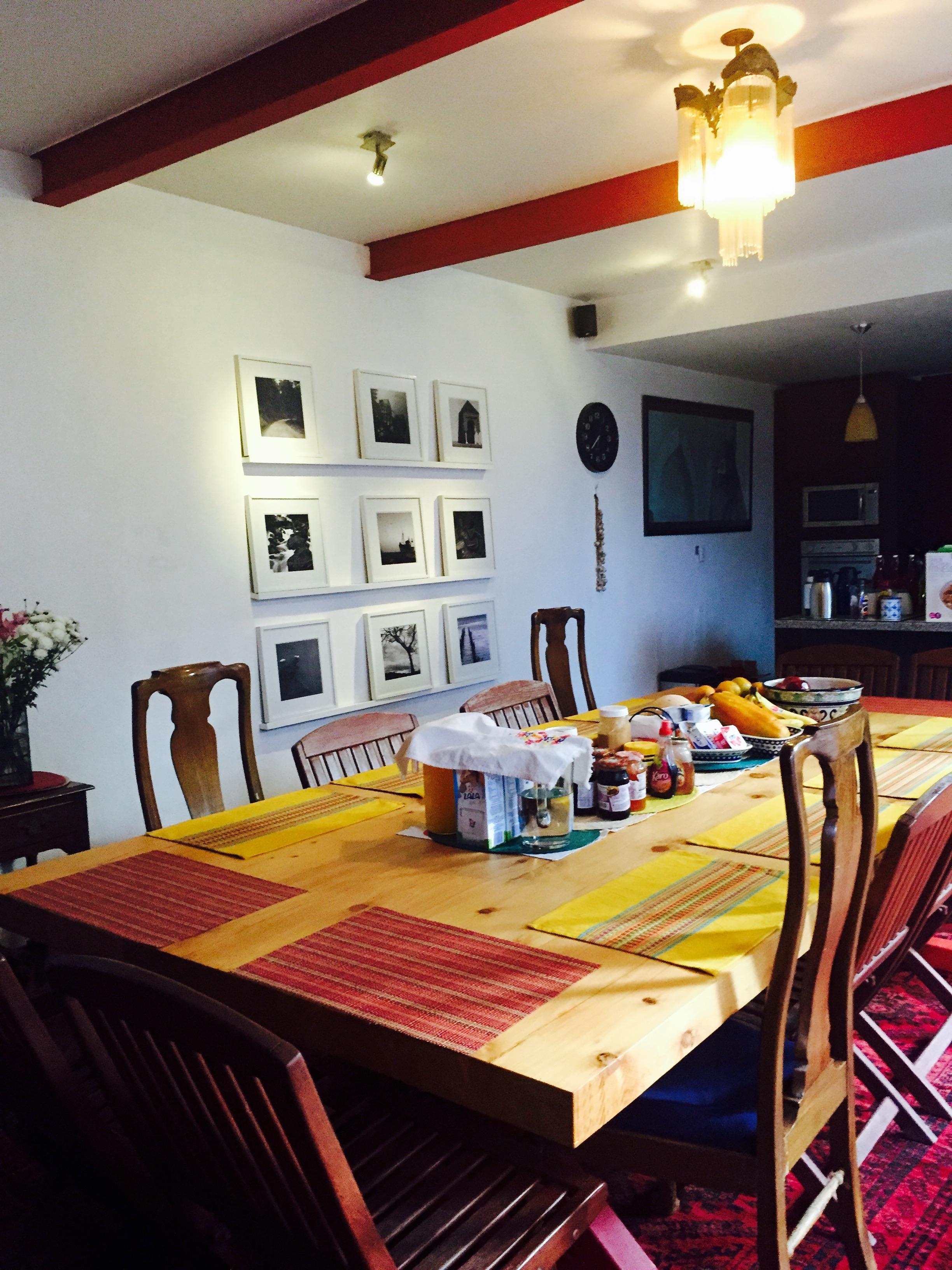 kitchen eating area