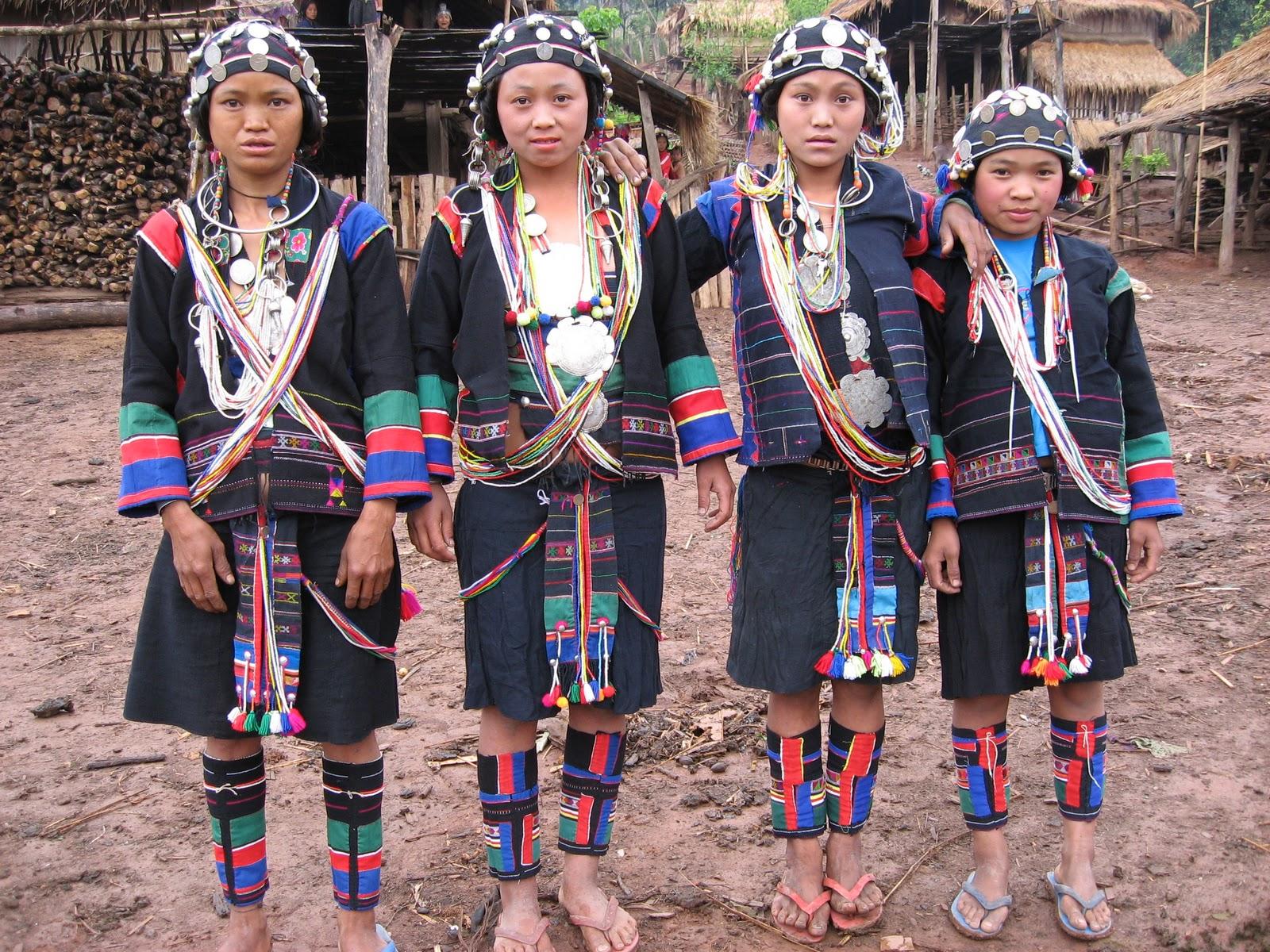 Kmu tribespeople.JPG