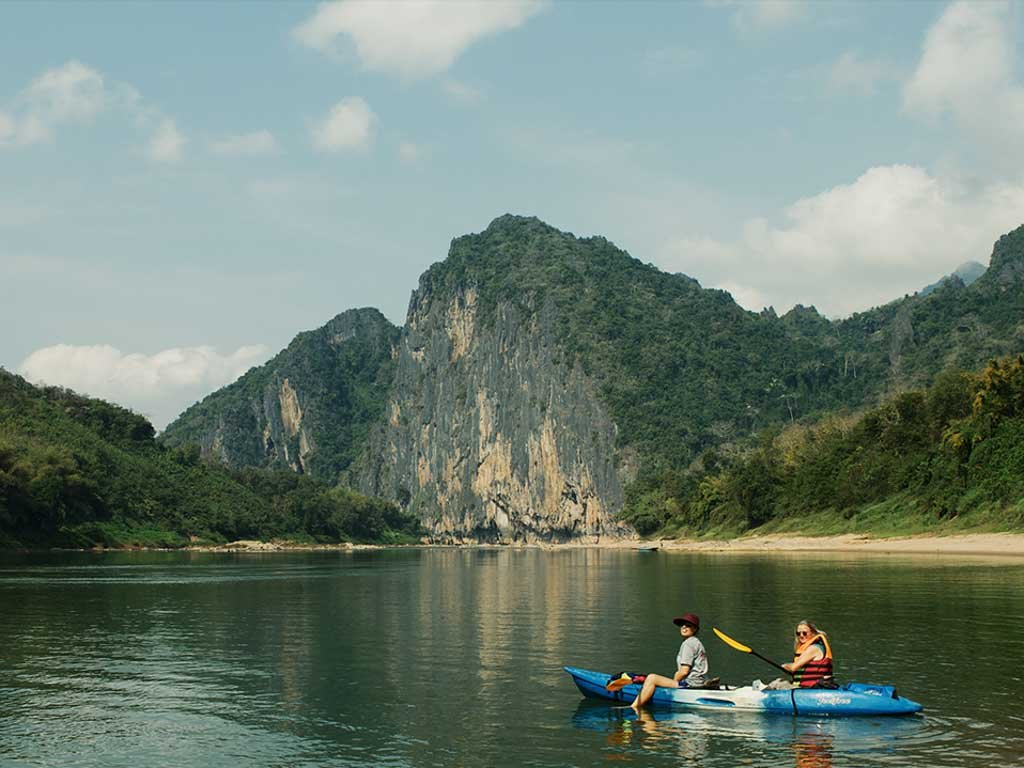 Nam_Ou_River_Cave_Rock.jpg