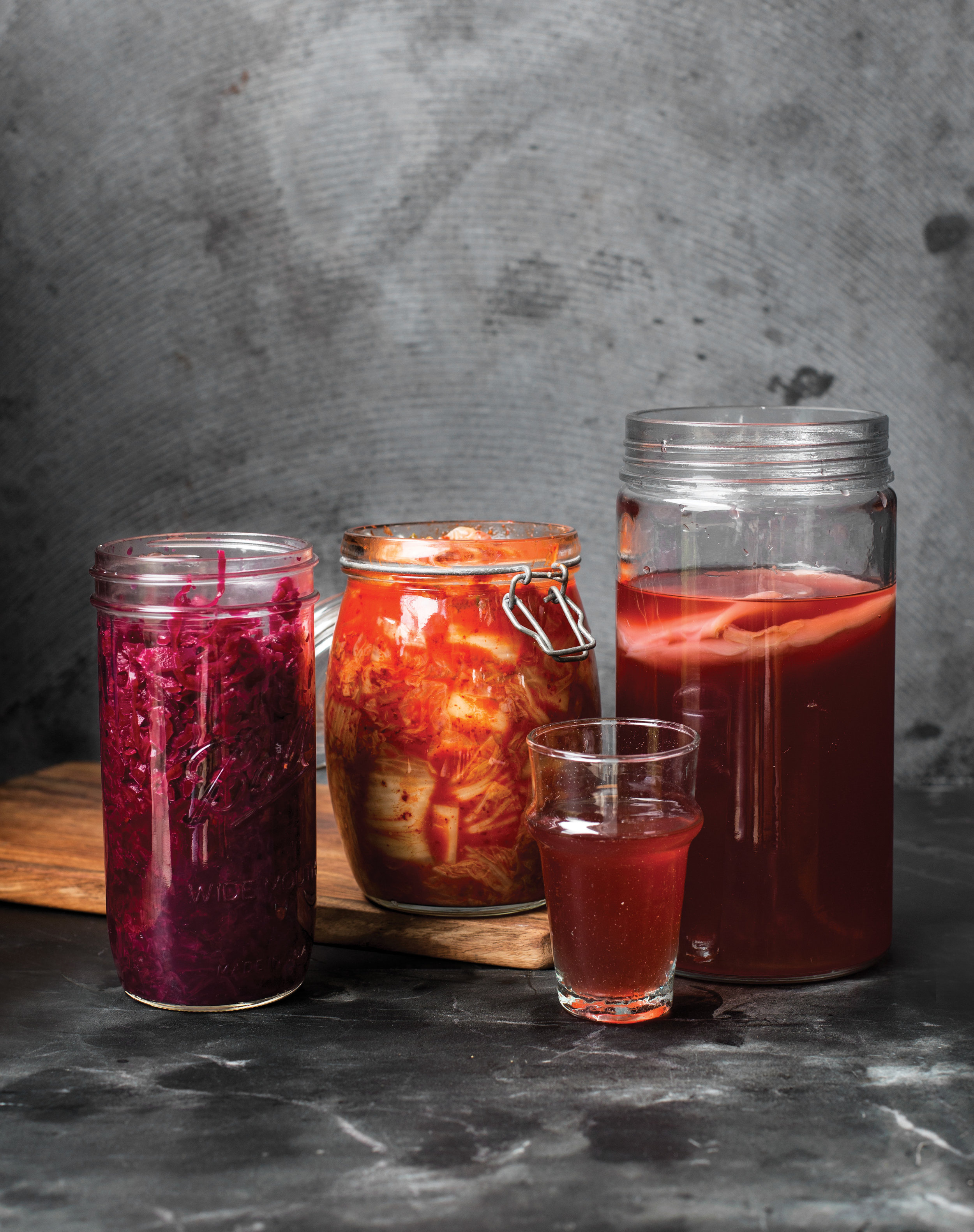 Annabel_Langbein_TOGETHER_PicklingAndFermenting_FermentingImage_PRINT.jpg