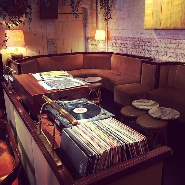 One of the classiest and coolest #DJ booths in London? I think so! 🎧❤️🎵 #chilternfirehouse #djbooth #londondj #femaledj #partydj #eventdj #vinyldj #vinyl #vinylrecords #music #london #venue