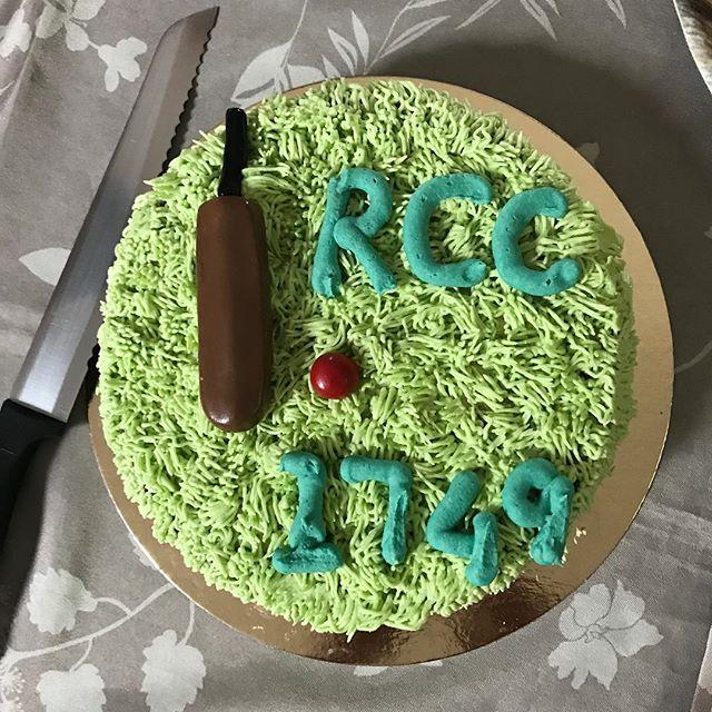 What a cake. #Top5TeasOnTheCircuit #NoFilter #NoRunningAfterTea
