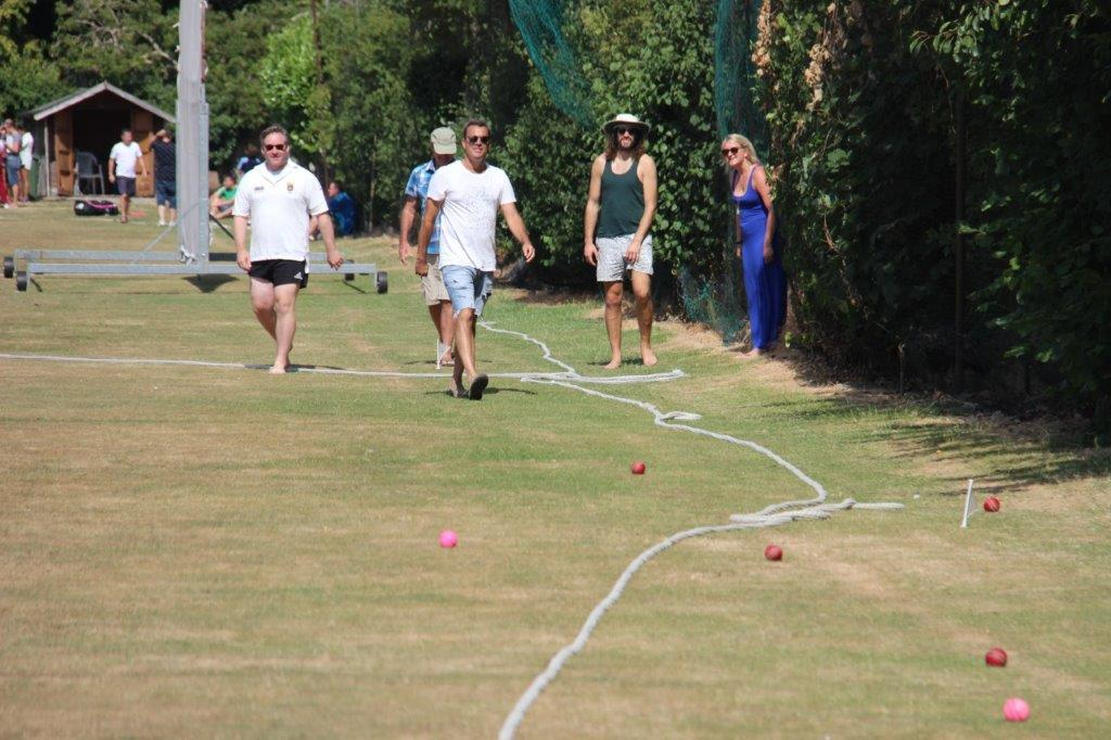 An excellent Boules contest ends with Bugsy showing her bowling as accurate as her husband's