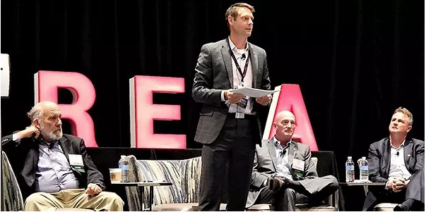 """Skaia Energy's Ingmar Sterzing moderates a panel including (left to right) TxETRA's Tom """"Smitty"""" Smith, Younicos' Dean Tuel and ATG Energy's Patrick Woodson. 