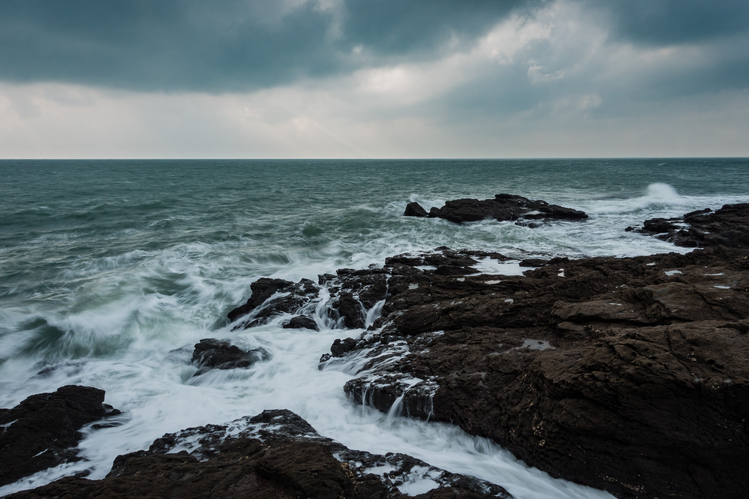 Sony RX100 M4, 8.8mm (24mm @ 35mm equiv), 1/4 sec @ f/11, ISO 80, in-camera ND filter on. Processed in Lightroom CC.