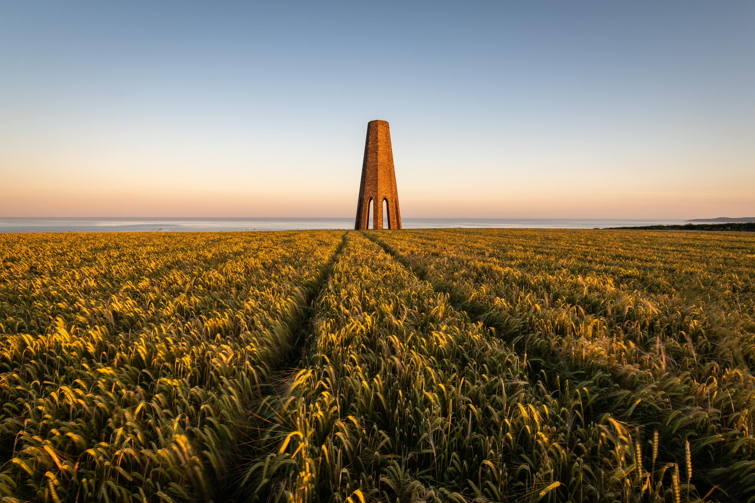 Sunset at The Daymark  - Devon: Nikon D850, Nikkor 16-35 mm f/4 @ 20mm, 1/5th sec @ ISO 64, f/13, Lee Filters Circular Polariser.