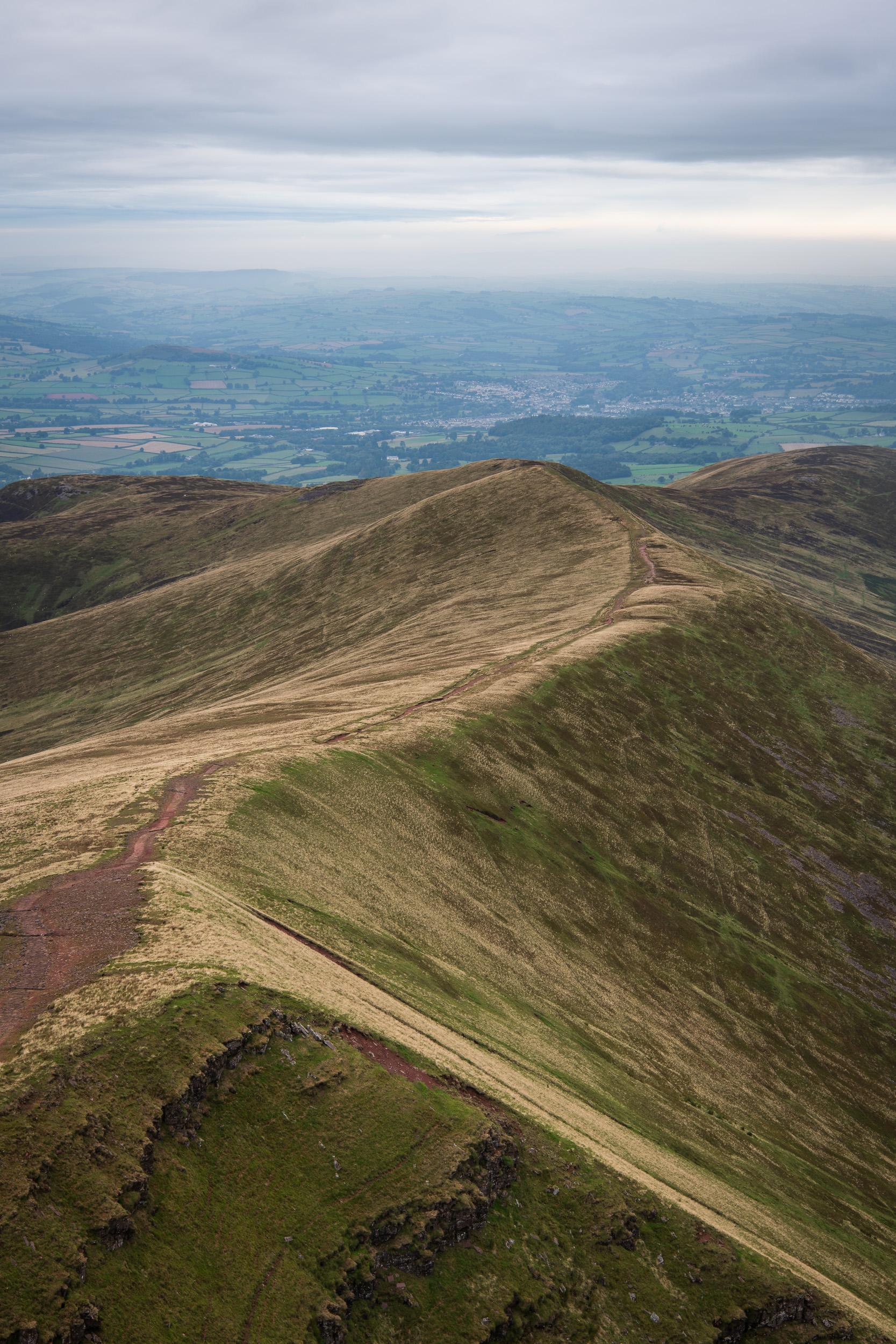 Cefn Cwm Llwch Mountain Path -  Pen y Fan, Brecon Beacons, Wales: Nikon D850, Nikkor 24-70 mm f/2.8 VR at 34 mm, 1/80th sec at ISO 64, f/8.