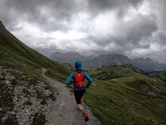 In six weeks I will be heading back to Austria to run a four day stage race called the @salomon 4 Trails, which is organized by the amazing folks at @planb_event_company. It starts in Seefeld, Austria and ends in Imst, Austria and covers approx. 100km & 6,000m. I will be running it as a training run to help me prepare for the @transalpine_run (Eight day stage race) which takes place at the end of August, as well as writing and sharing stories about as my experience and highlights from the event. With only six weeks of training left, I am getting organized and prioritizing key workouts. I can't wait for the views, to see all my overseas friends and to eat all the cheese! Not to mention my favourite part of it all... sharing it with my best friend @mountaingoattm ❤️ #salomon4trails #travel #stagerace #alps #travel @salomonrunning @hammercanada