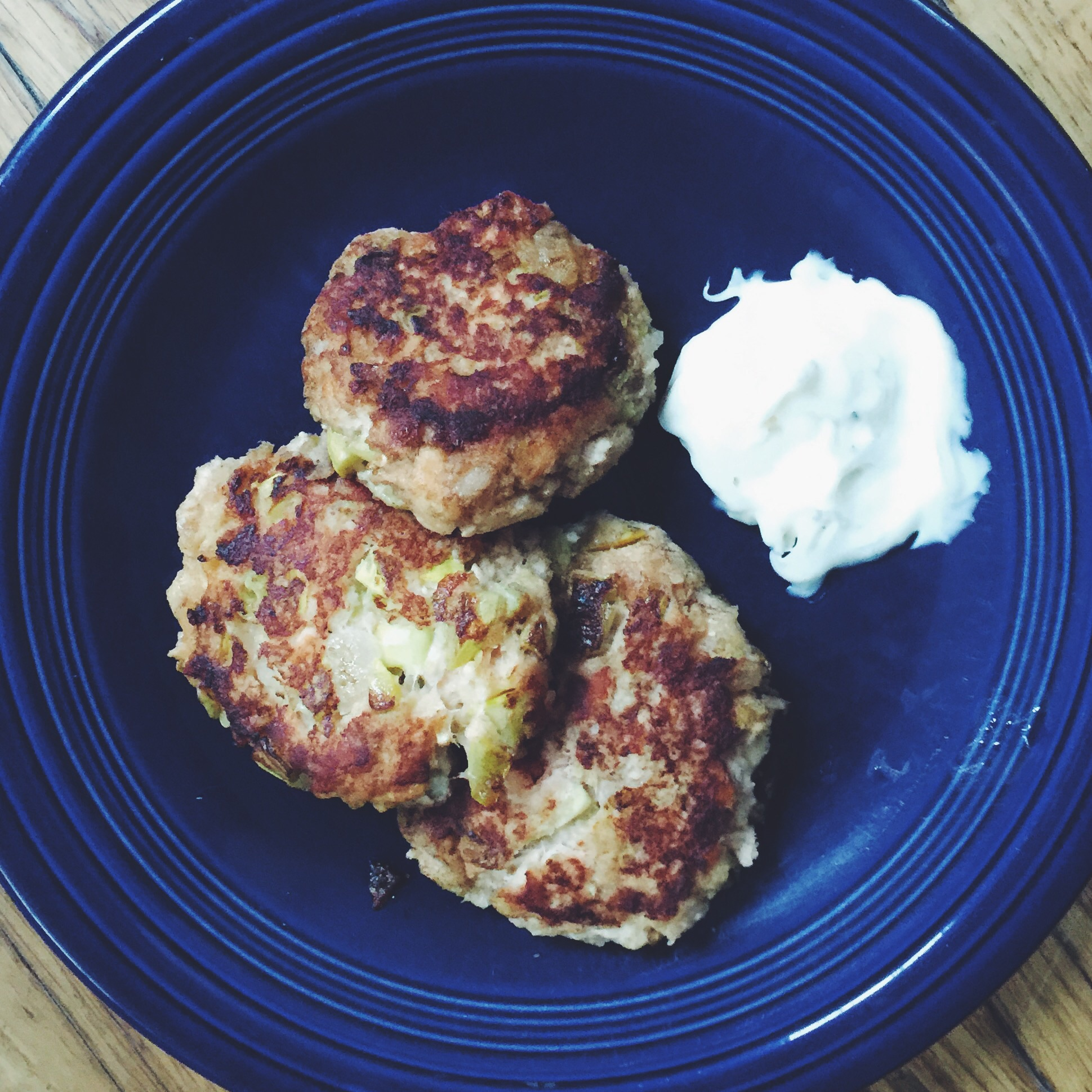 homemade salmon cakes with garlic aioli