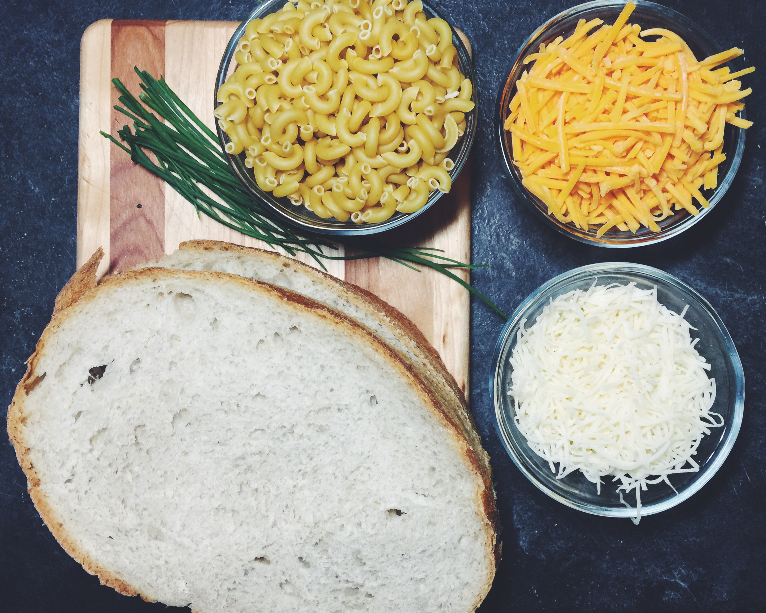 mac and cheese grilled cheese ingredients