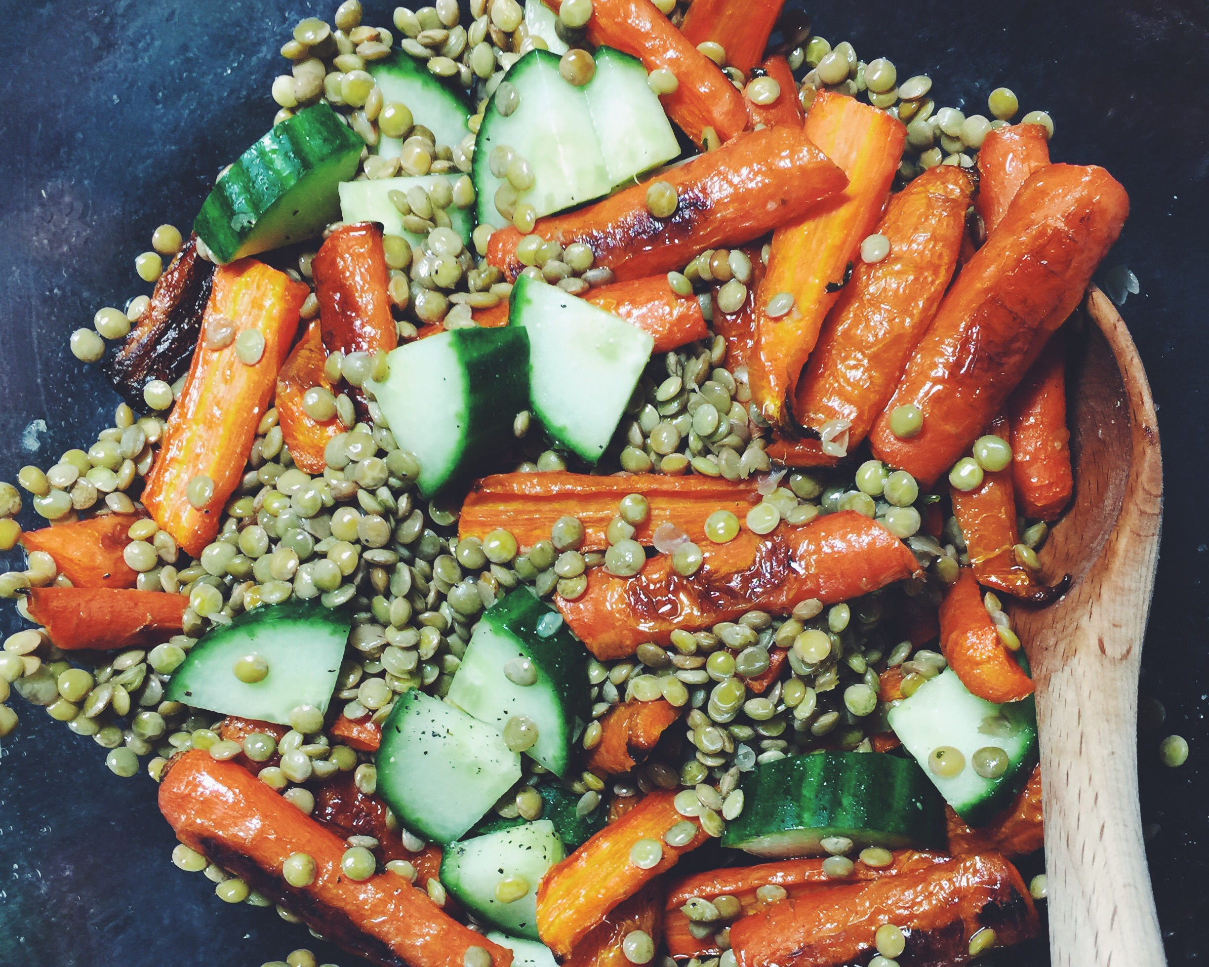 lentil salad with carrots and cucumber