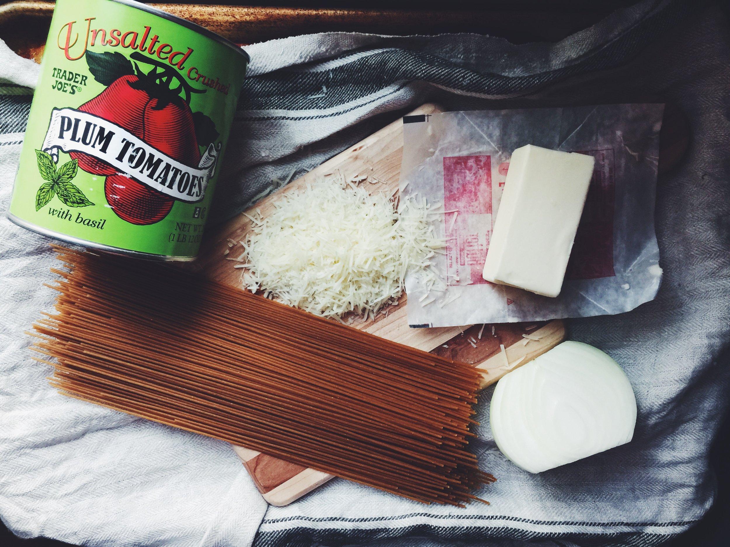 homemade tomato sauce ingredients