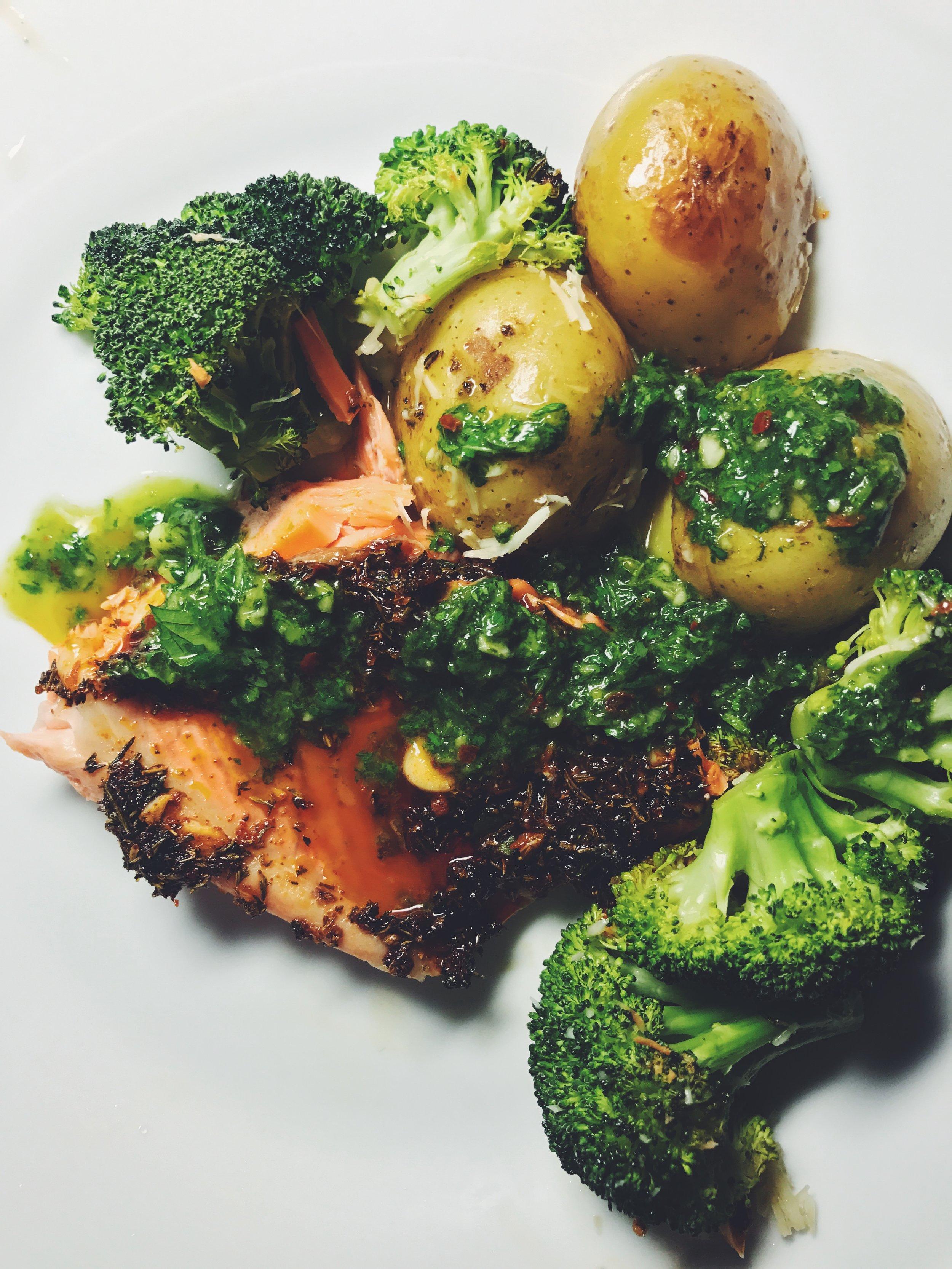 salmon with broccoli and potatoes