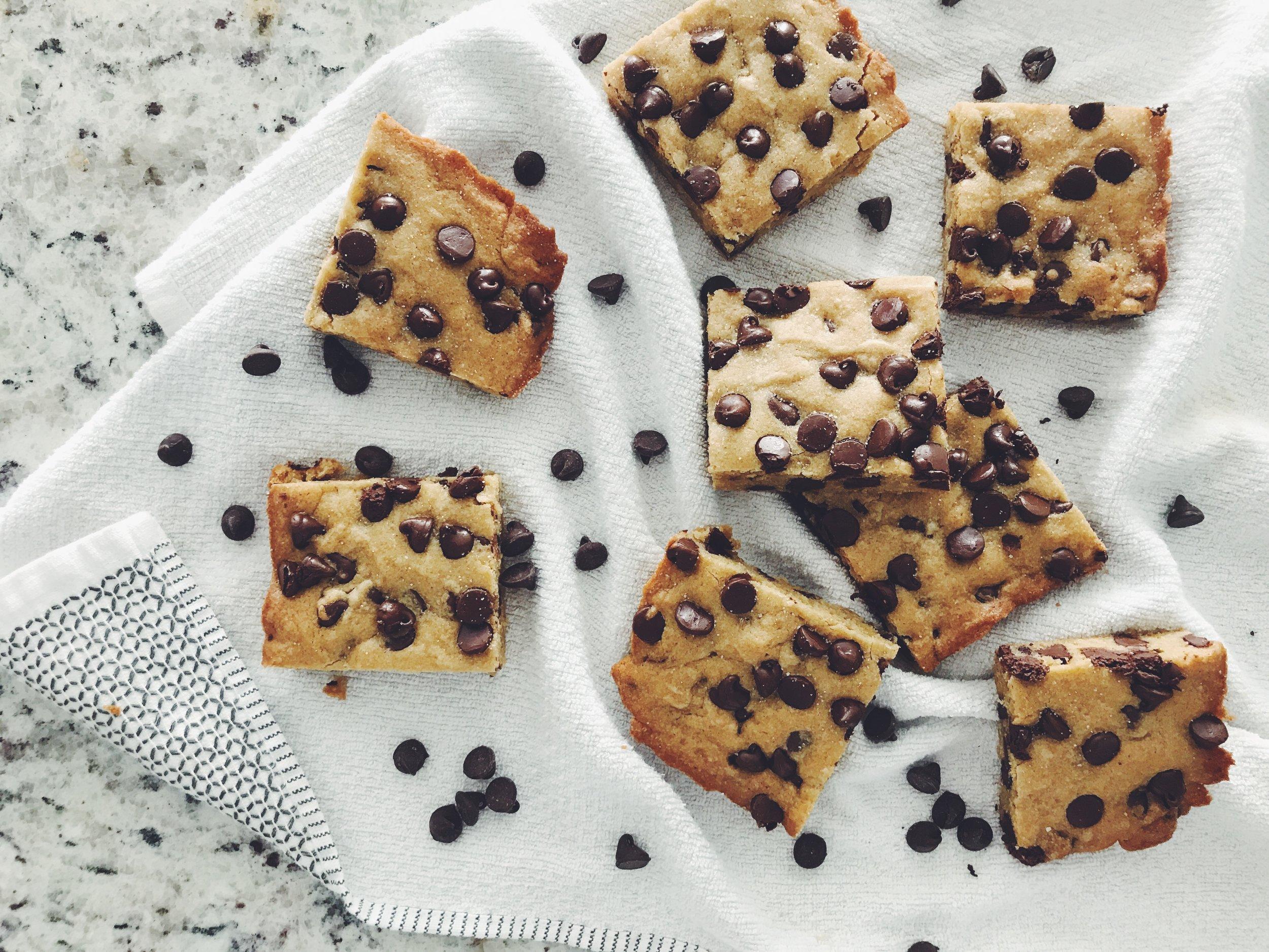 dark chocolate chip blondies