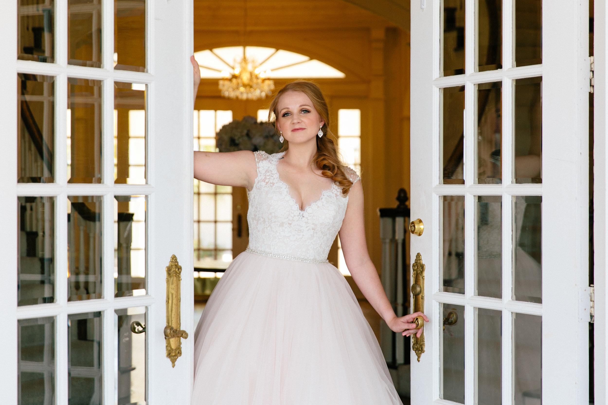 Mindy's Bridals