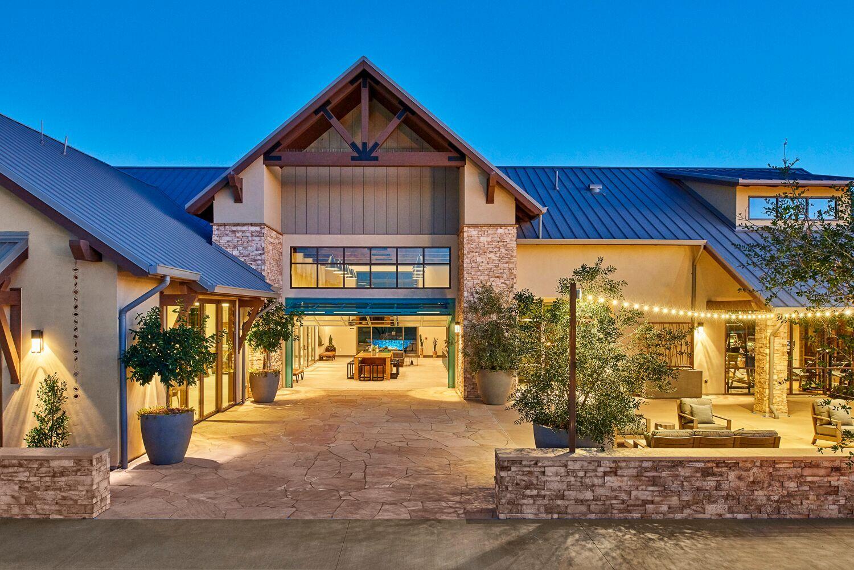 Riverstone Lodge EXT 01.jpeg