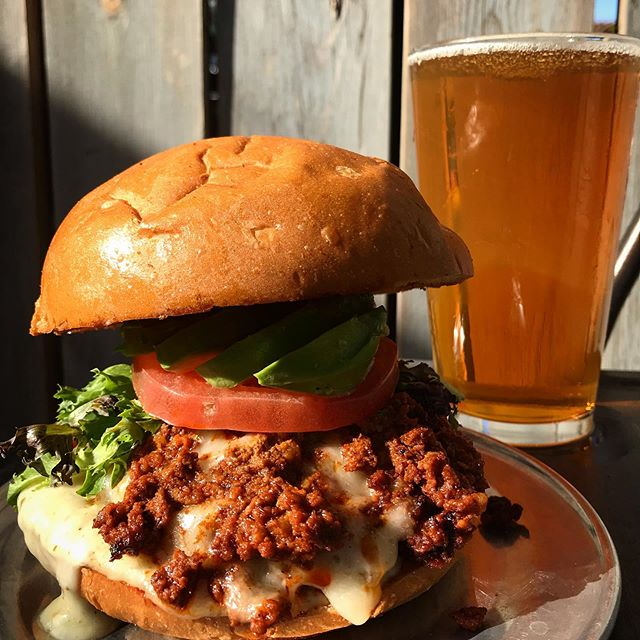 ⚡️🍔🍺 BURGER AND PINT for TEN BUCKS ‼️Tax included . Starting today @thehopeandanchor will be selling pints ALL DAY for $2.50 . Our burgers are $7 (vegetarians don't worry, we have a falafel burger) pints $2.50 7K, Double White and Guinness .... can't miss it!! Open 'till 10pm babes 🌙❤️ #mondaymotivation #burgers #beer #eatlocal #fallcolors #🍔