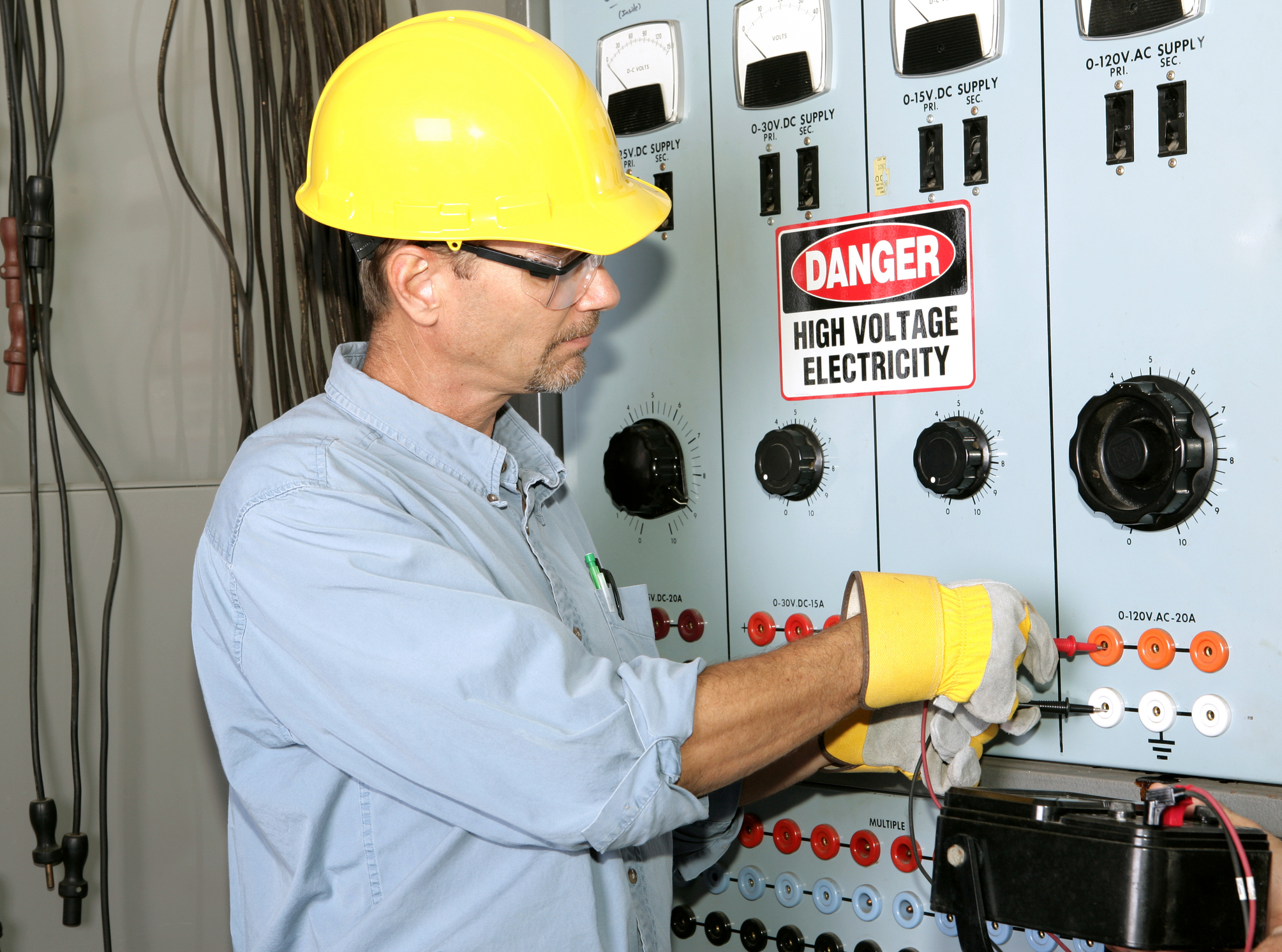 - You're invited to register for a special electrical safety training class sponsored by Design Electric Inc. This training will be provided by EI Training Group and cover National Fire Protection Agency (NFPA) 70E 2015 guidelines.