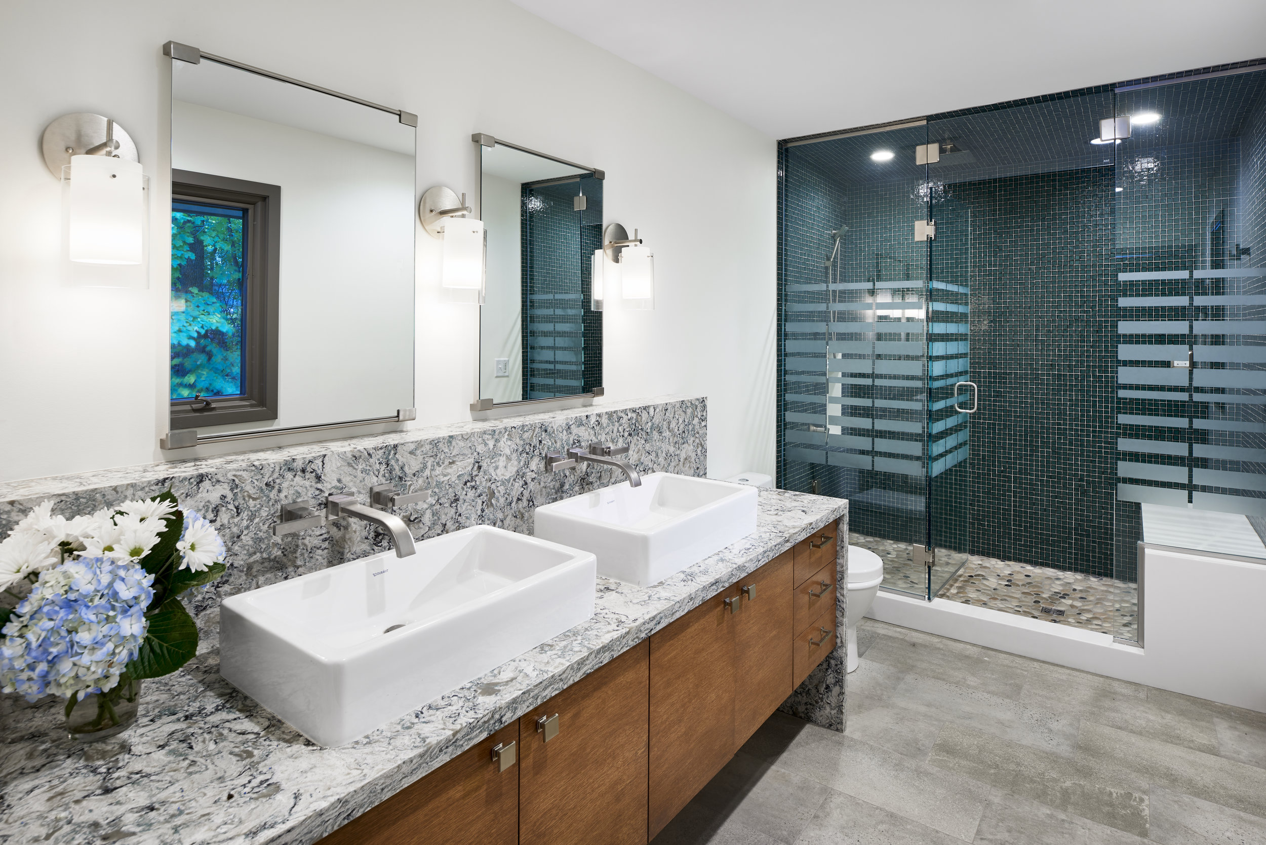 Double white box sinks in bathroom, designed by NewStudio Architecture